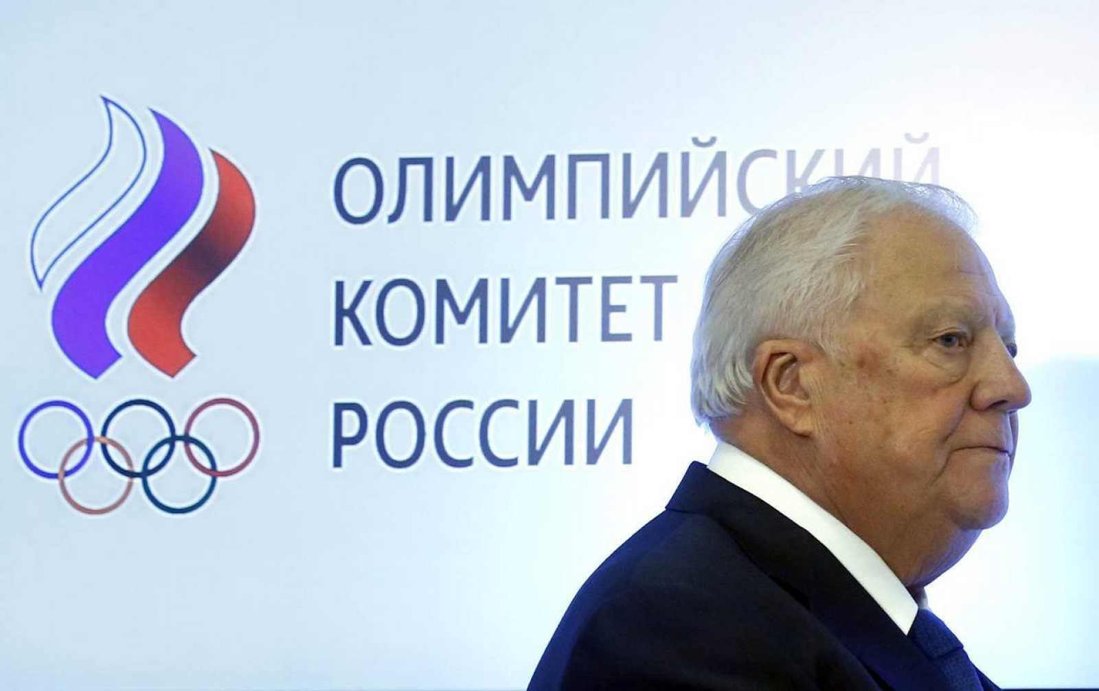 El miembro ruso del Comité Olímpico Internaconal (COI) Vitaly Smirnov participa en una sesión del Comité Olímpico Ruso (COR) celebrada en Moscú.