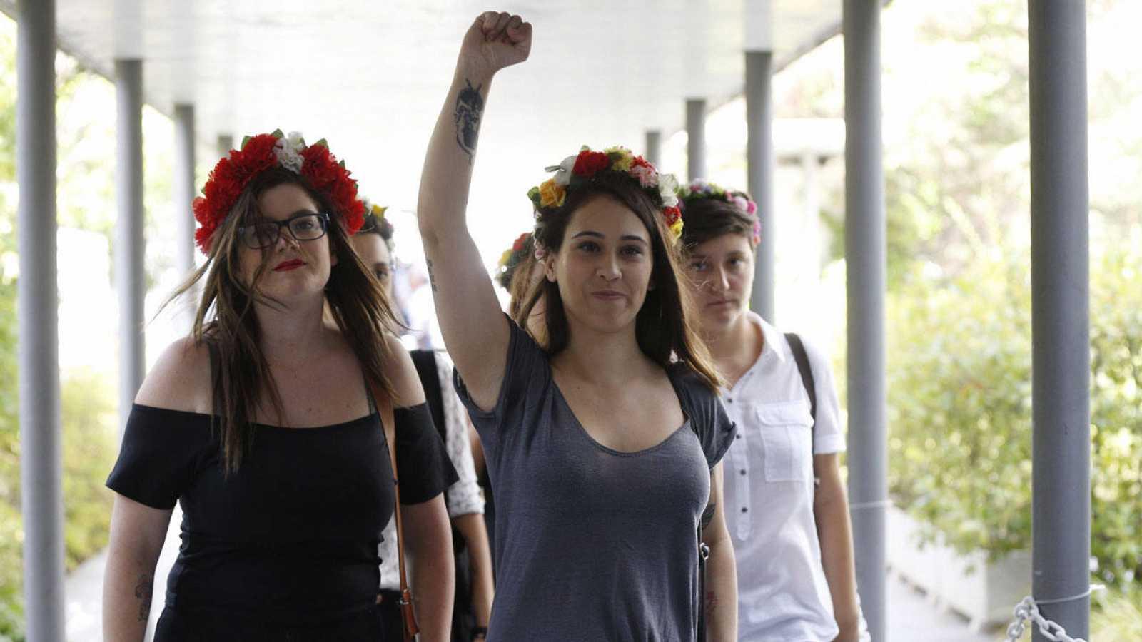 Las cinco activistas de Femen, a su llegada a juicio hace unos días