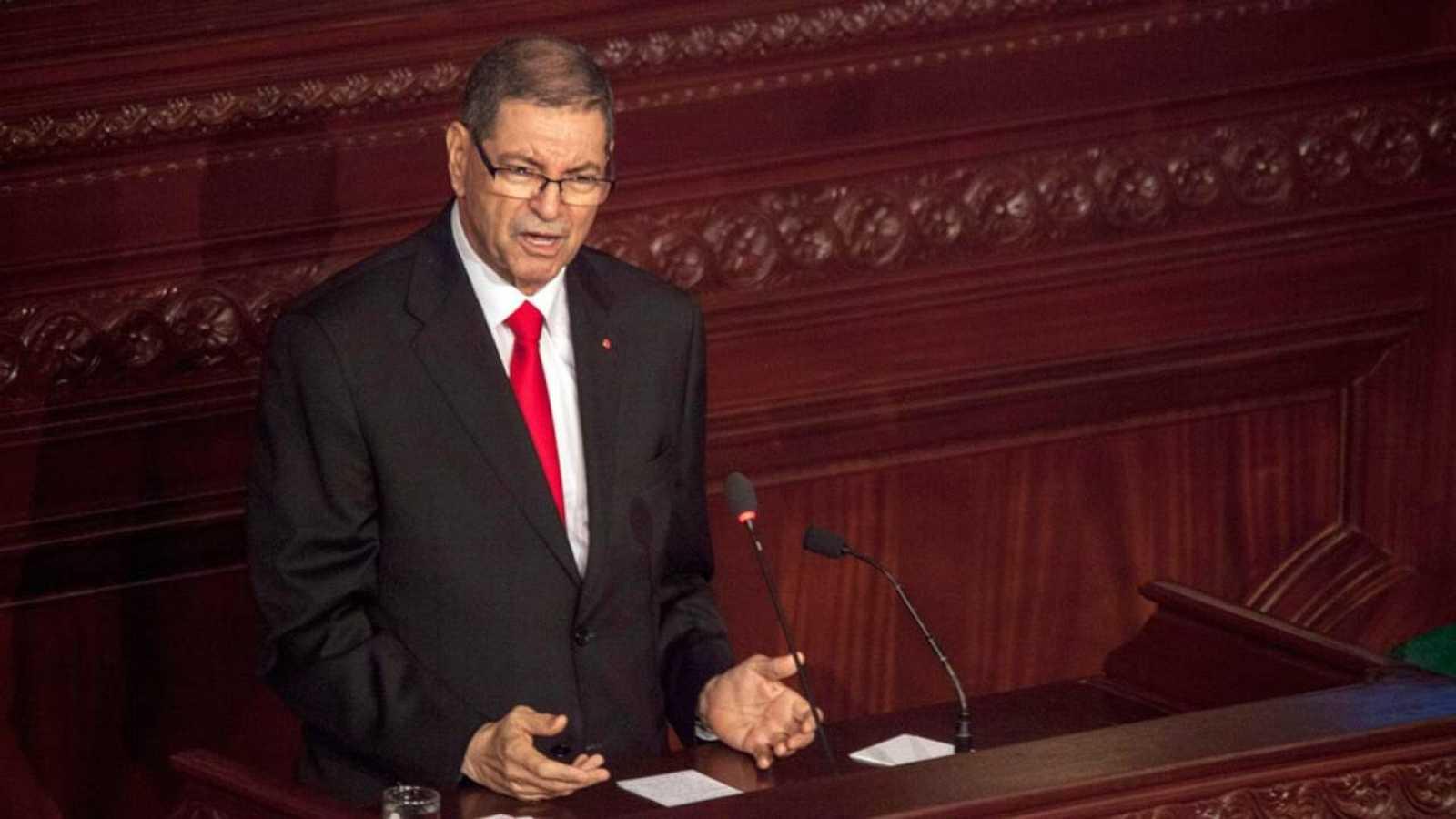 El primer ministro de Tunez destituido, Habib Essid