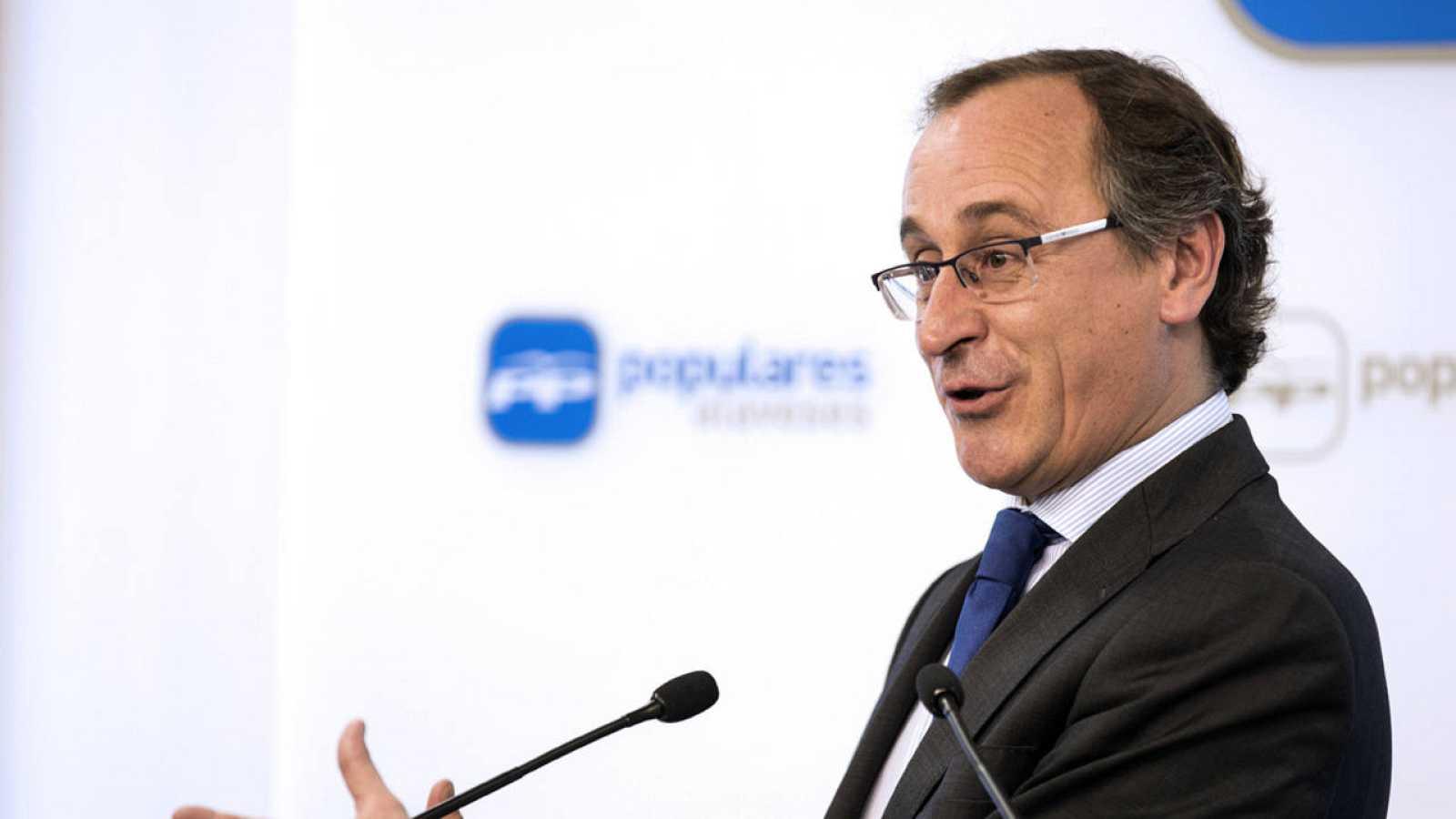 Alfonso Alonso, en la rueda de prensa donde anunció su candidatura a lehendakari en las elecciones del 25 de septiembre.