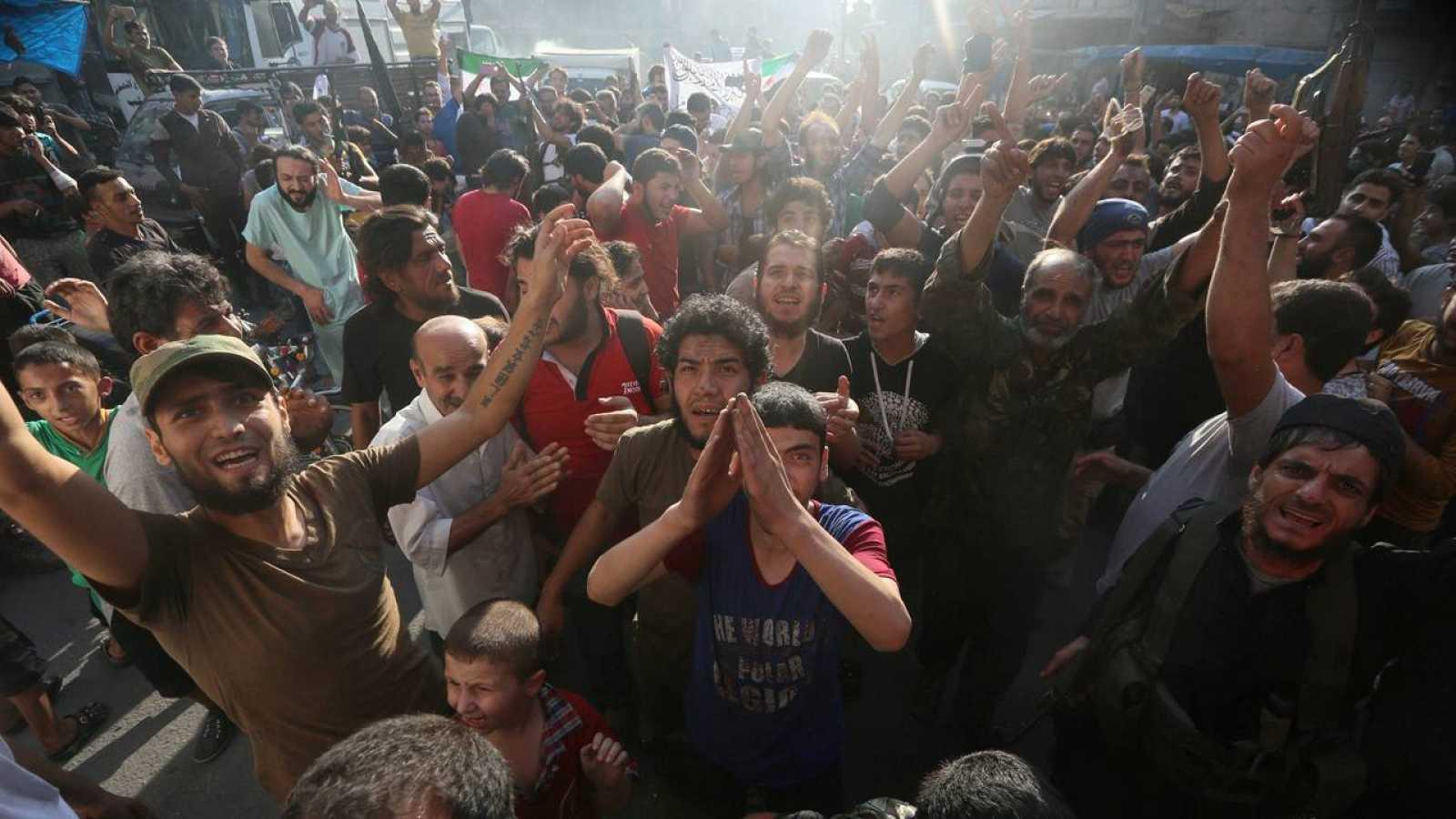 Vecinos de Alepo celebran los avances de los rebeldes este fin de semana