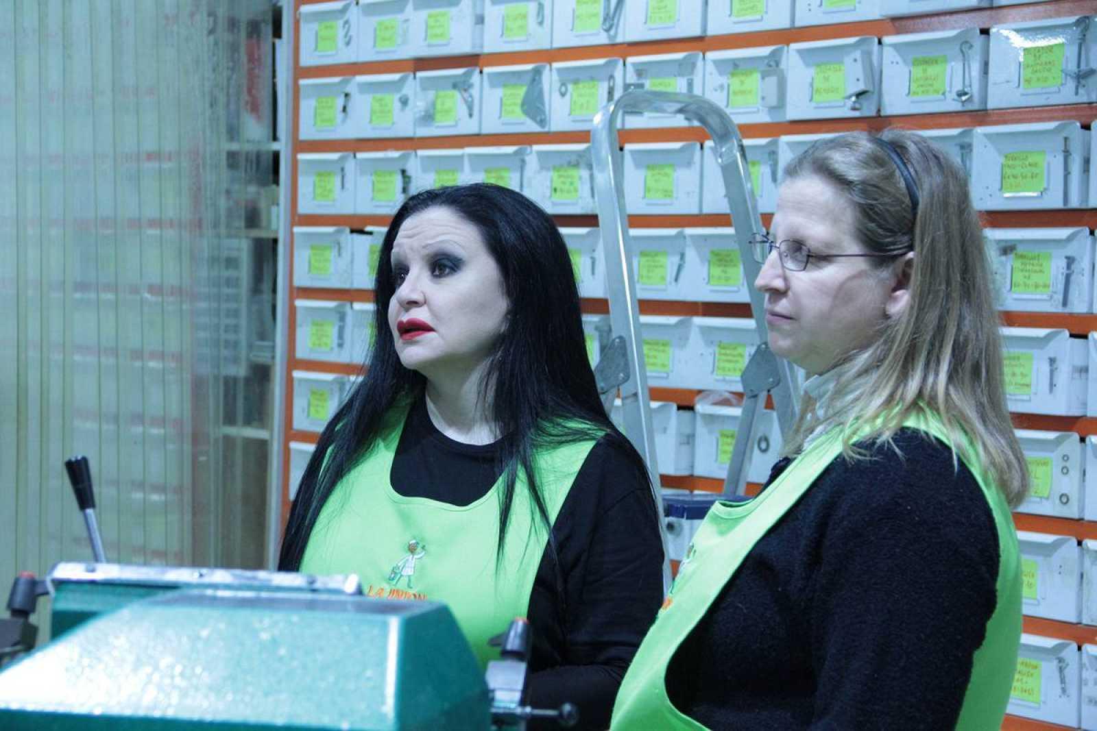 Alaska trabajará por un día en una tienda de bricolaje