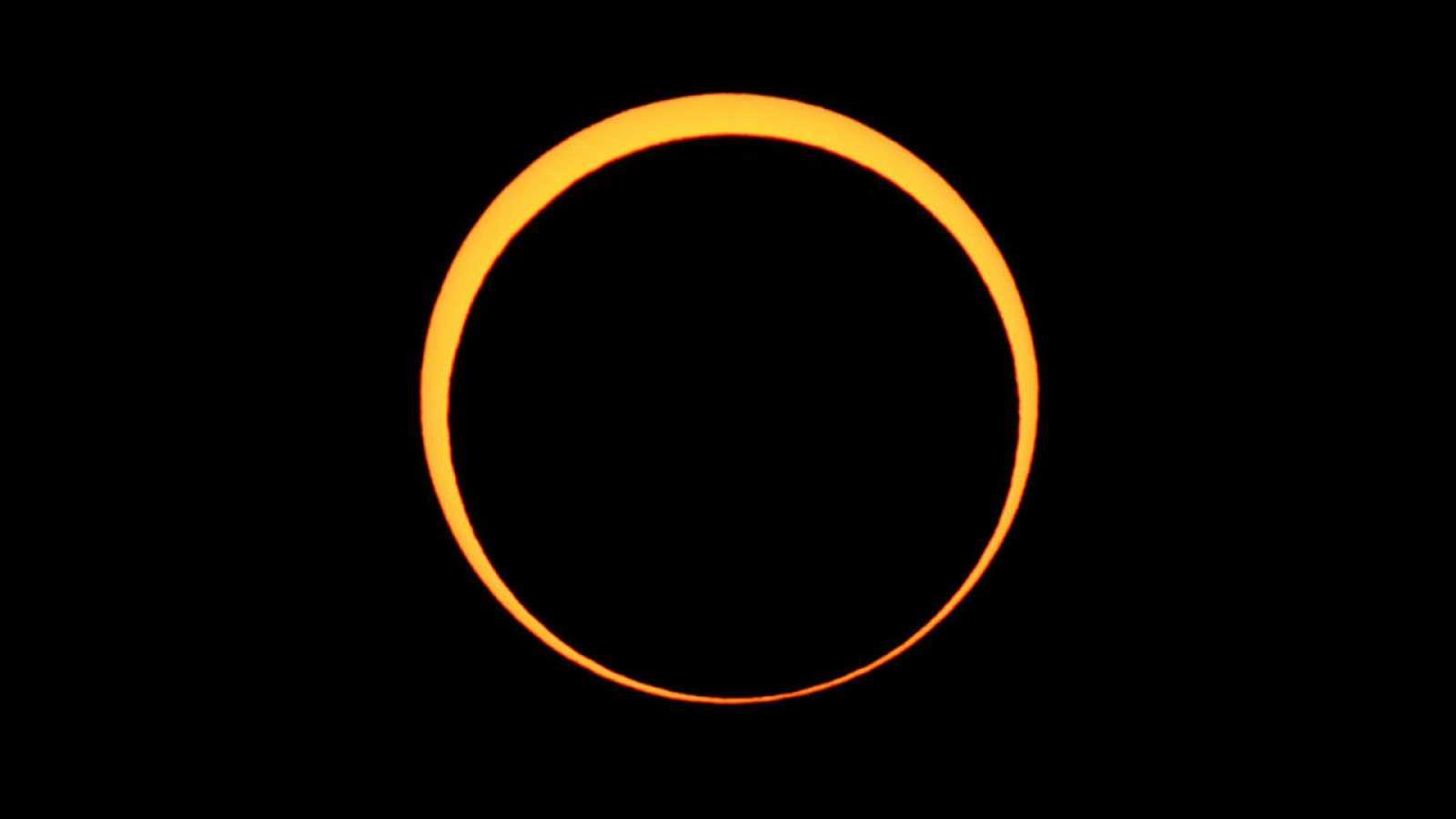 Septiembre comienza con un eclipse anular de sol, visible en Canarias