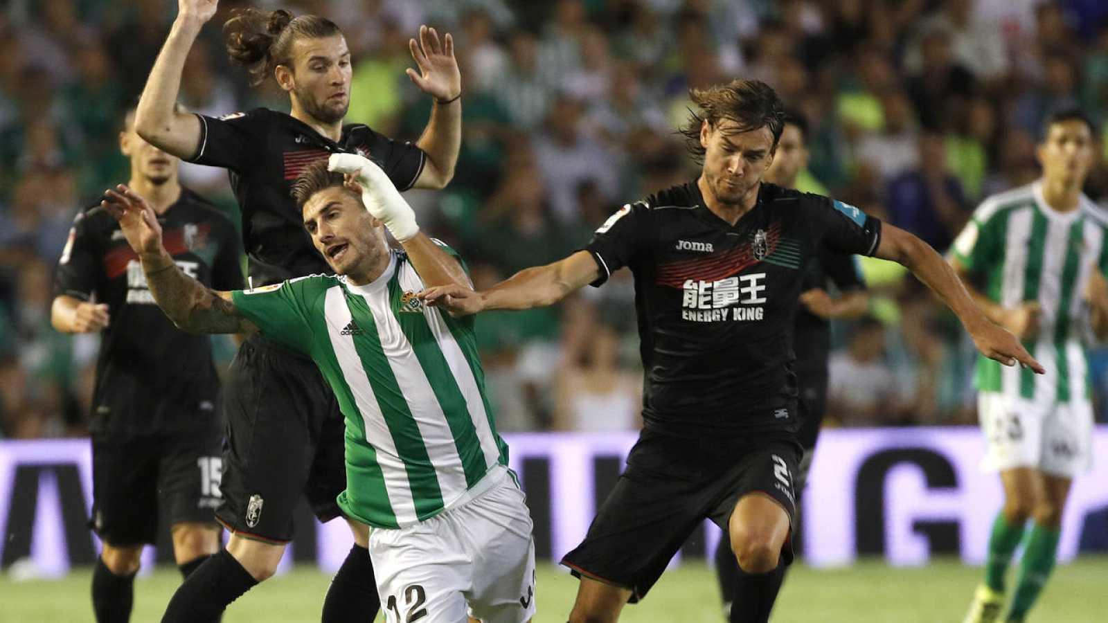 Betis y Granada empatan a dos goles en el duelo de la cuarta jornada