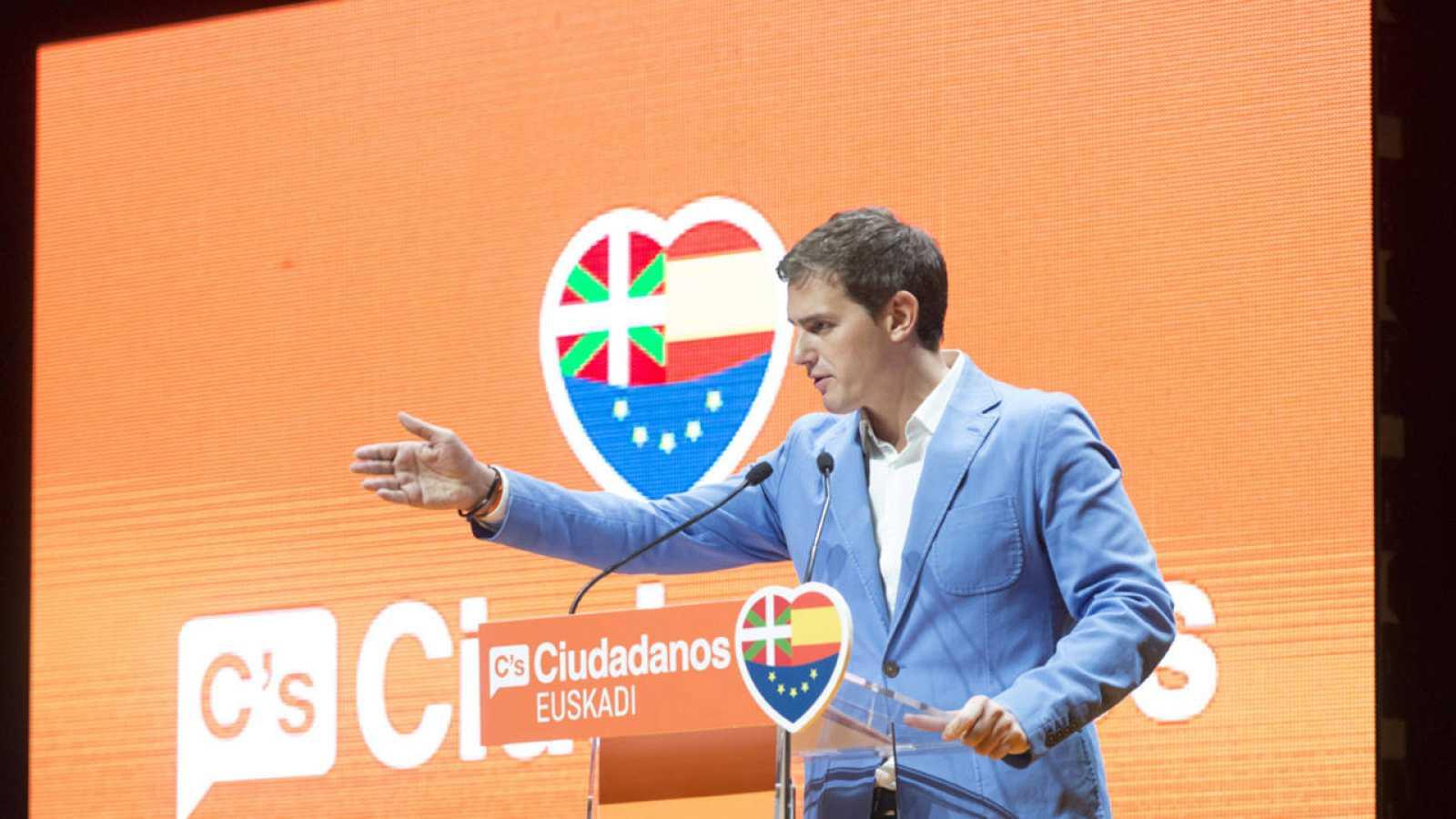 El líder de Ciudadanos, Albert Rivera, en un acto electoral en el País Vasco