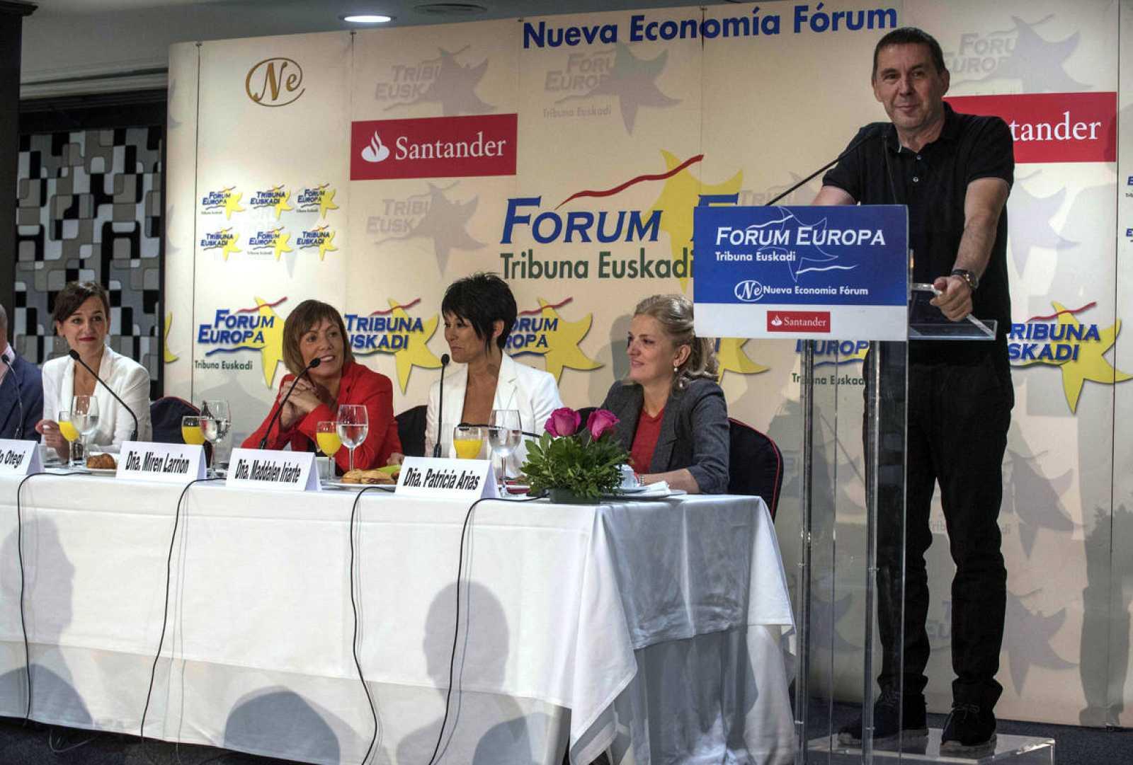Arnaloo Otegi, en un desayuno informativo para presentar a las candidatas de EH Bildu en las elecciones vascas