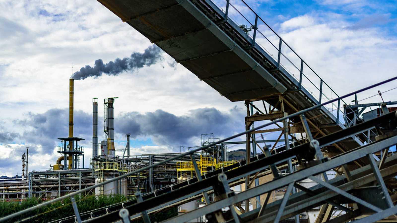 Para combatir el cambio climático, el objetivo es limitar a dos grados centígrados el crecimiento de la temperatura media del planeta a finales de siglo.