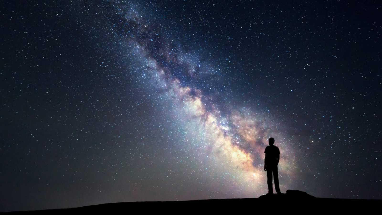 Resultado de imagen para foto el hombre y el universo