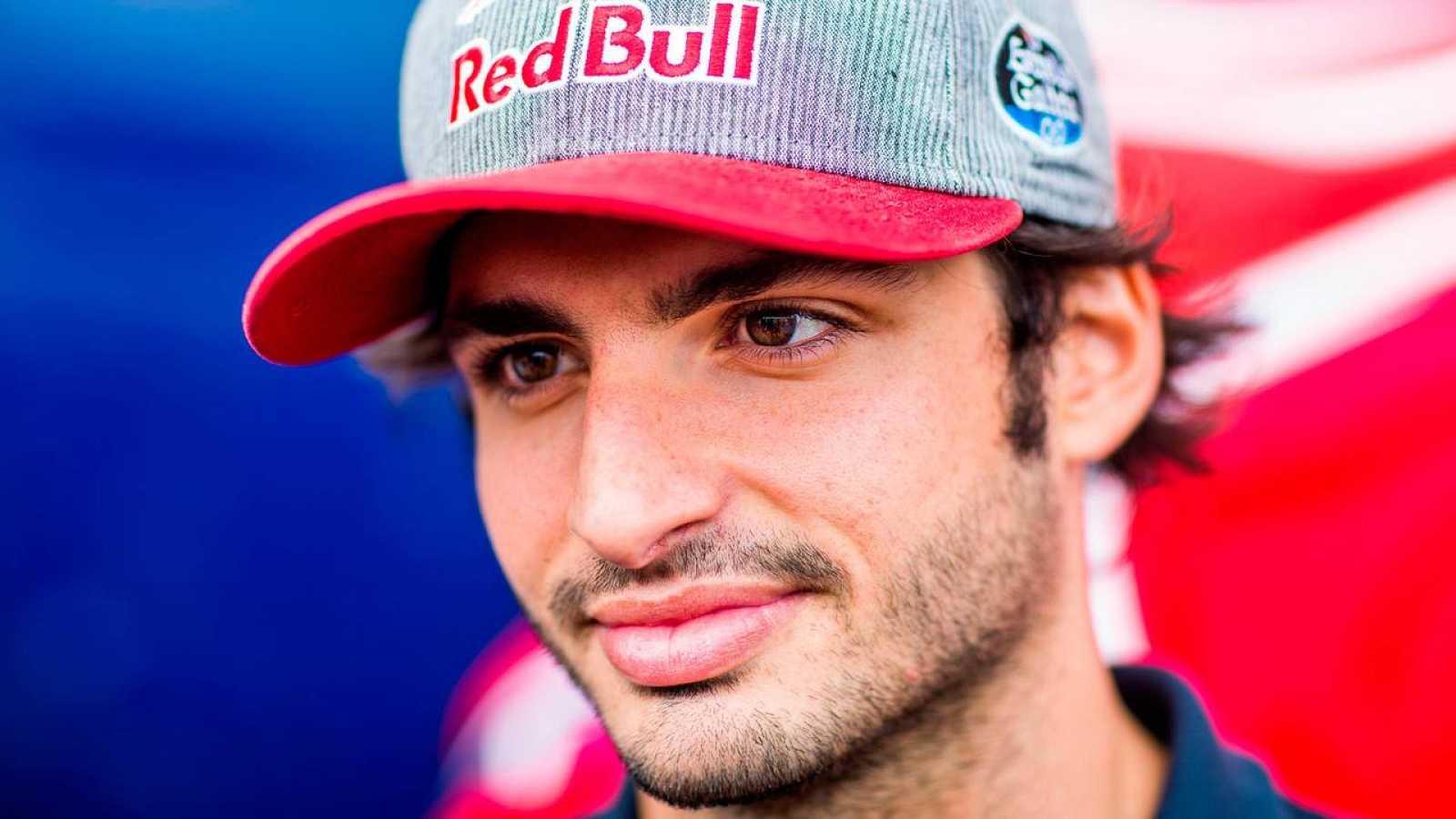 Toro Rosso confirma a Kvyat y Carlos Sainz como pilotos para 2017