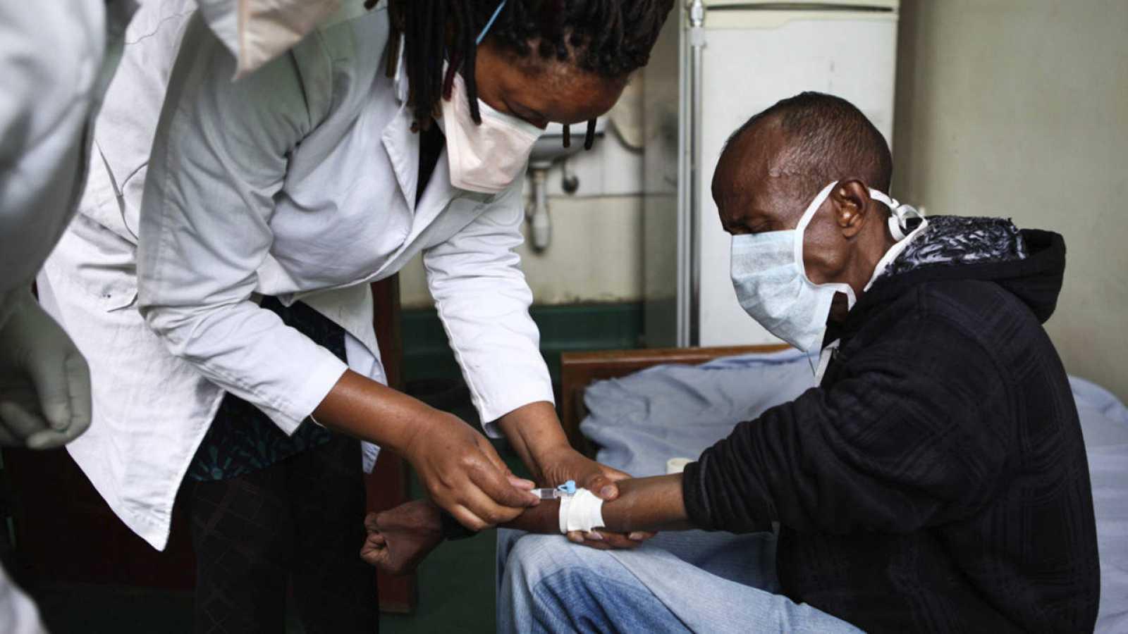 Solo en 2015, la tuberculosis mató a 1,8 millones de personas e infectó a 10,4 millones en el mundo.