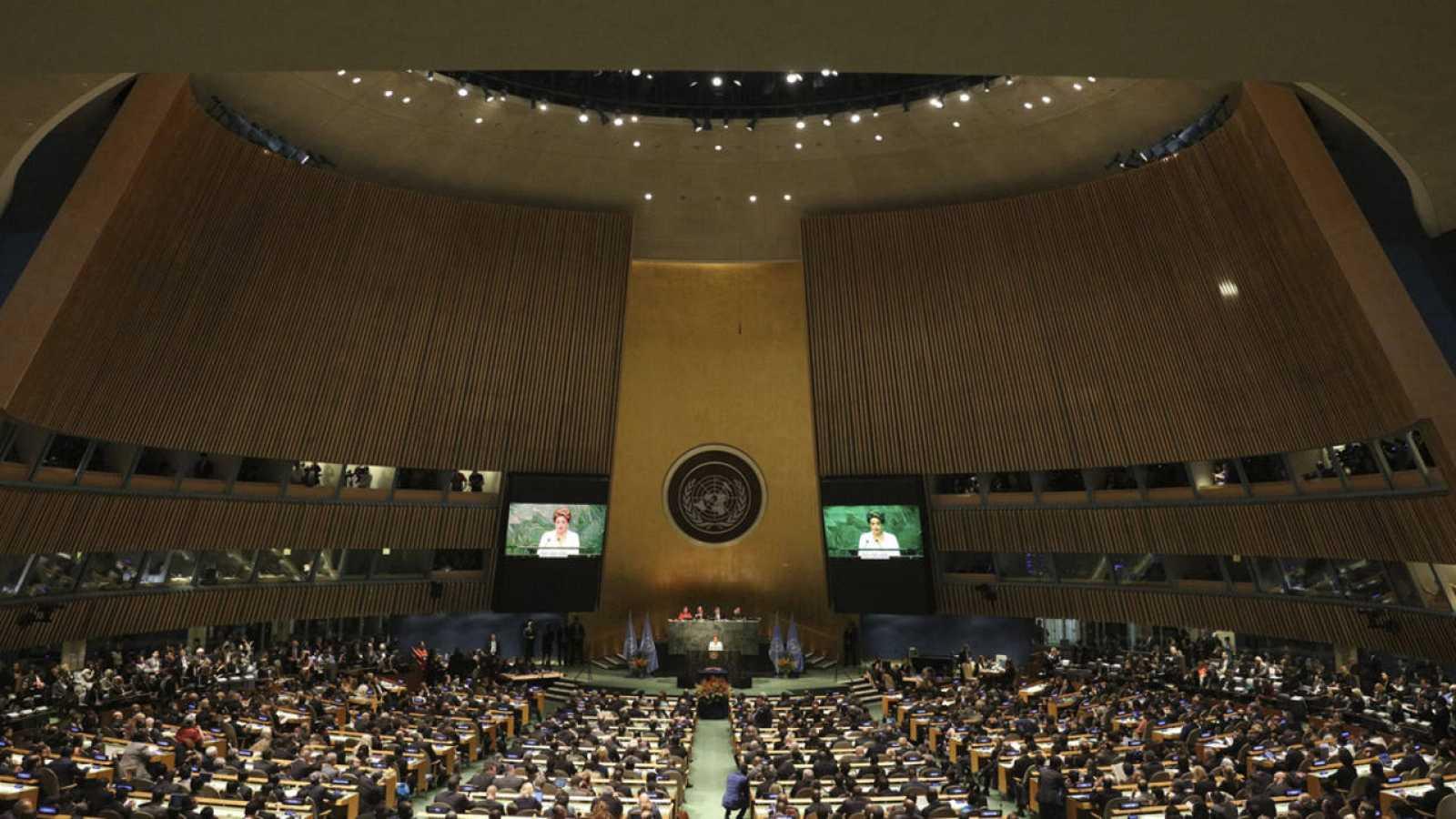Fotografía de archivo del 22 de abril de 2016 del acto de la firma del Acuerdo de París contra el cambio climático en la sede de la Naciones Unidas de Nueva York.