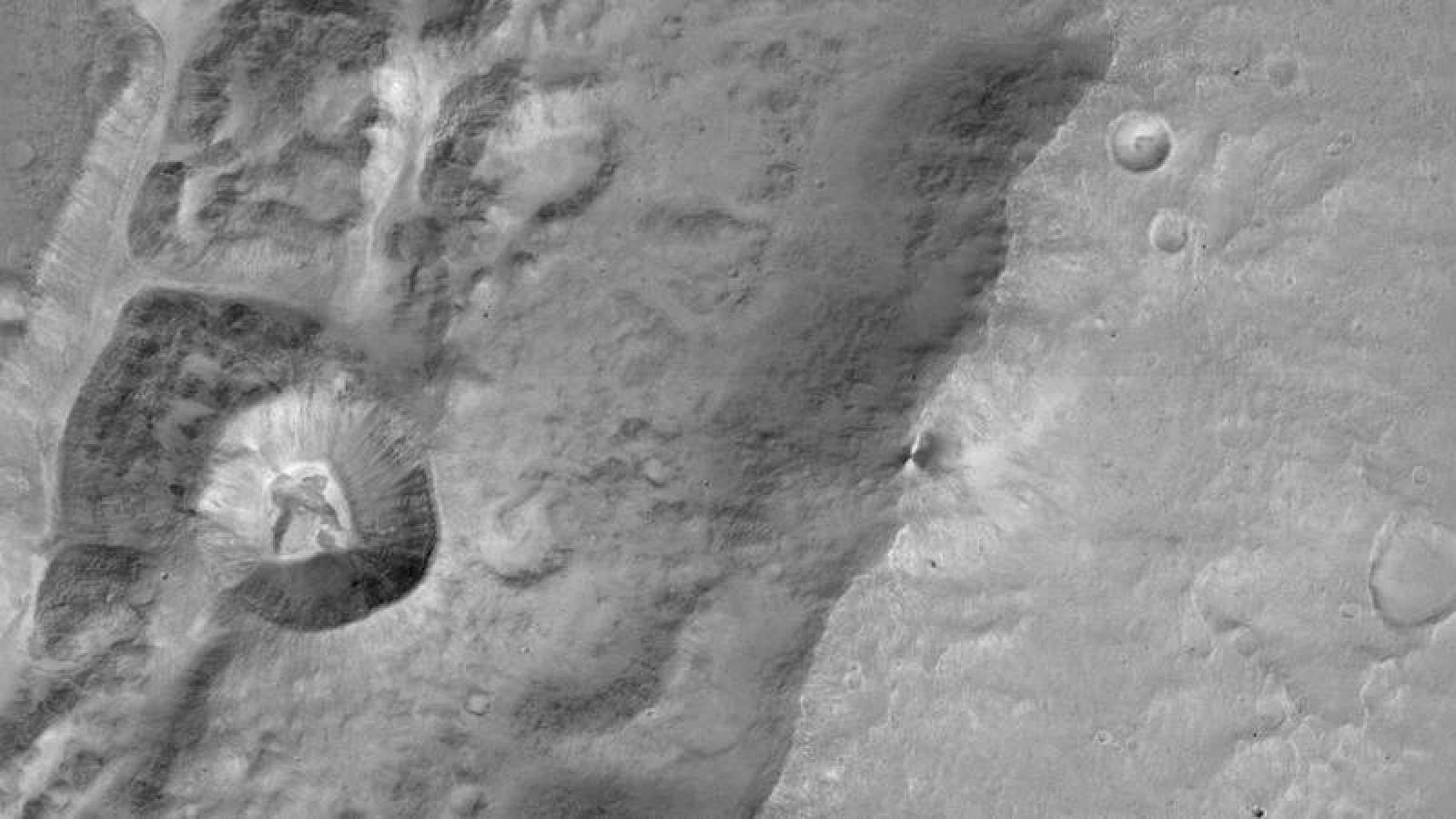 Imagen de Marte tomada por el satélite ExoMars Orbitador de Gases Traza (OGT).