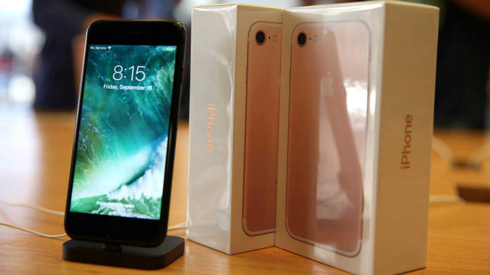627ff2347cf La OCU denuncia a Apple por publicidad engañosa del IPhone 7 - RTVE.es