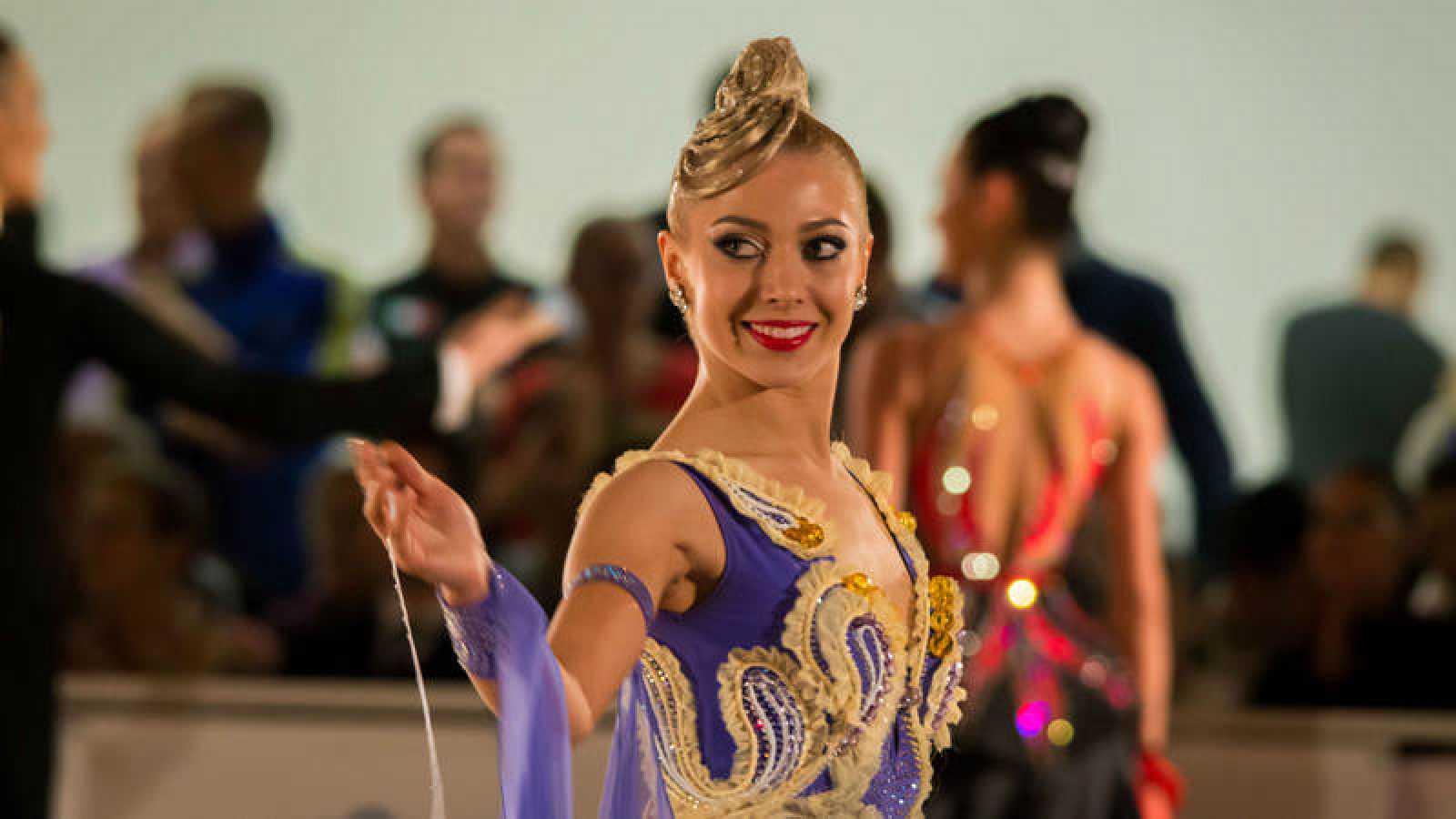Una bailarina en el Dancesport Cup 2016.