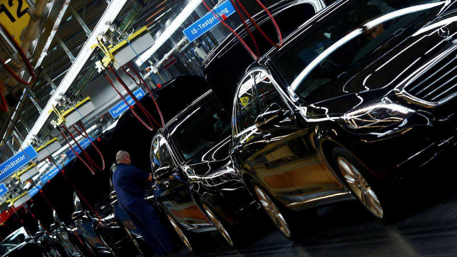 Cadena de montaje de Mercedes Benz en Stuttgart