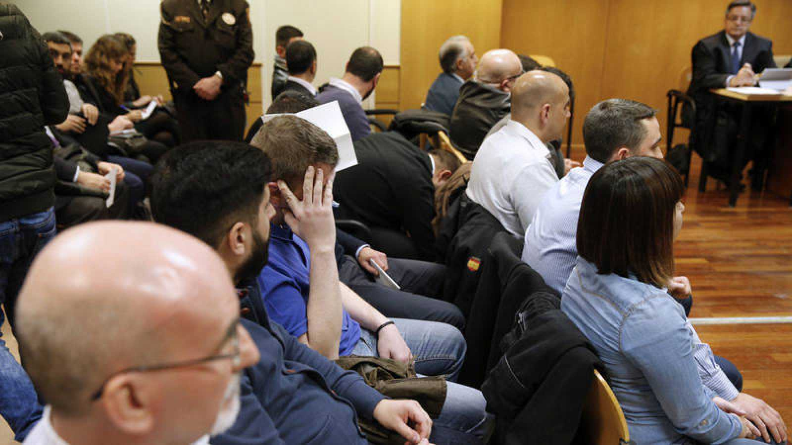 Los ultras que asaltaron el centro cultural Blanquerna durante el juicio en la Audiencia Provincial de Madrid