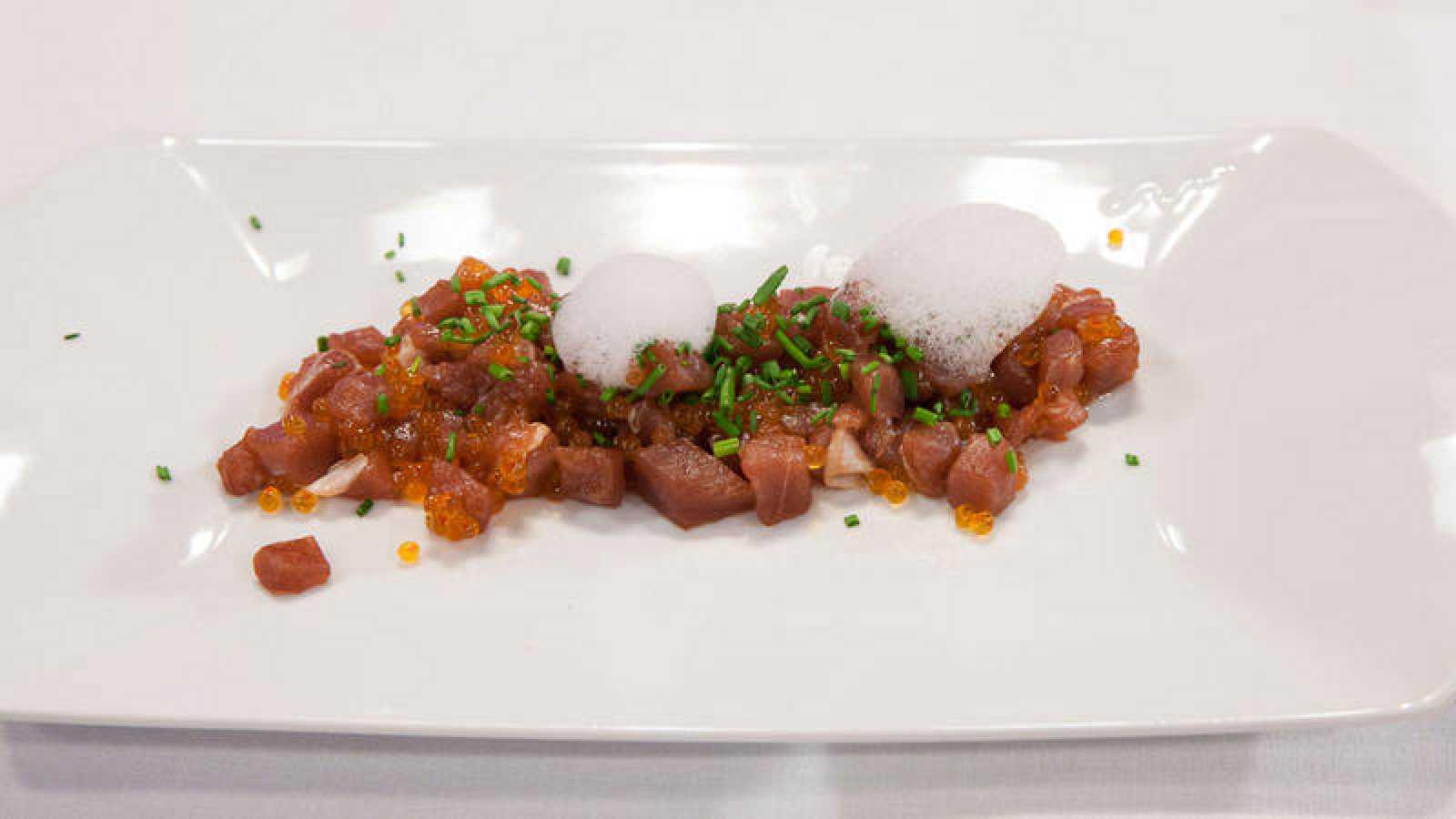 Tartar De Atún Rojo Con Aire De Wasabi Y Esferas Kimchi