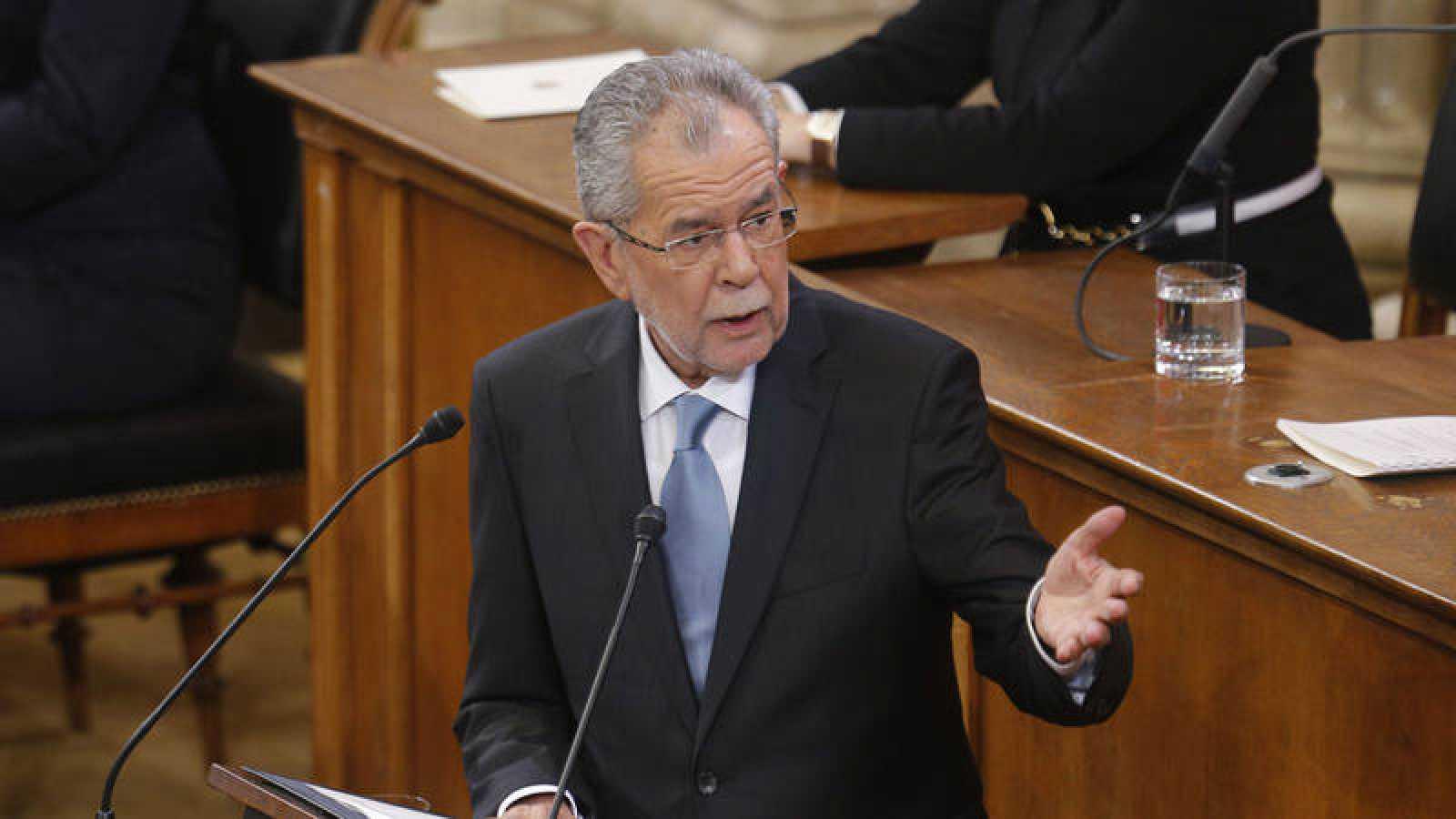 El presidente austriaco, Alexander Van der Bellen, durante su primer discurso en el cargo.