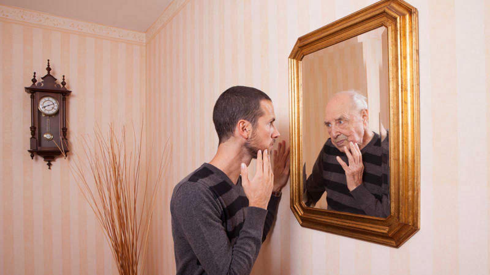 El envejecimiento es un reto para el sistema de salud pública y un enigma científico para los biólogos evolutivos.