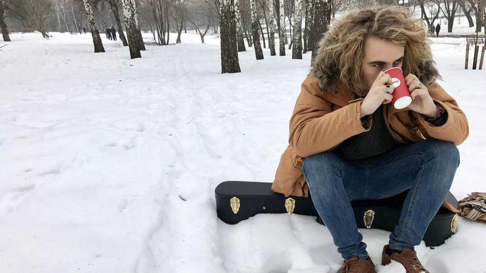 Manel Navarro en la nieve, en una imagen tomada en su reciente visita a Kiev