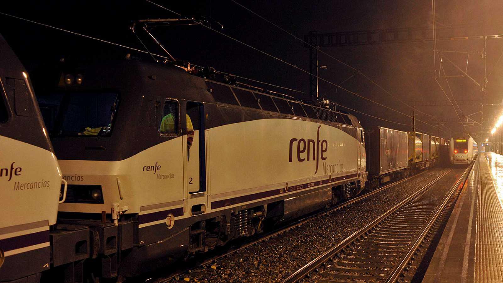 Imagen de archivo de un tren de Renfe mercancías