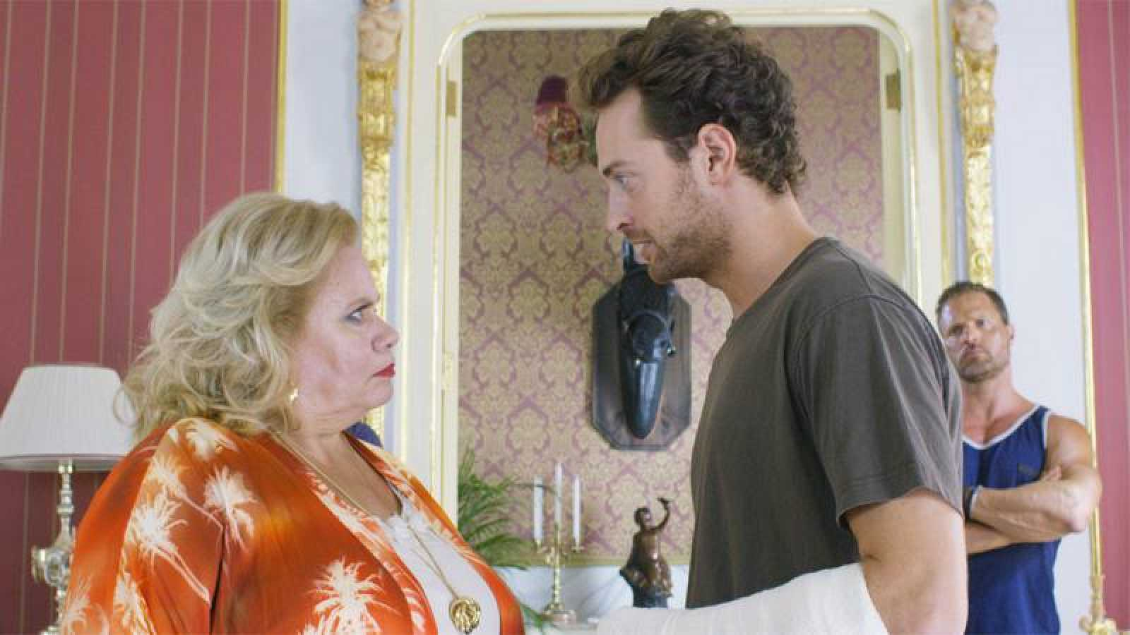 Carmen Barrios y Peter Vives en 'Mil cosas que haría por ti'.