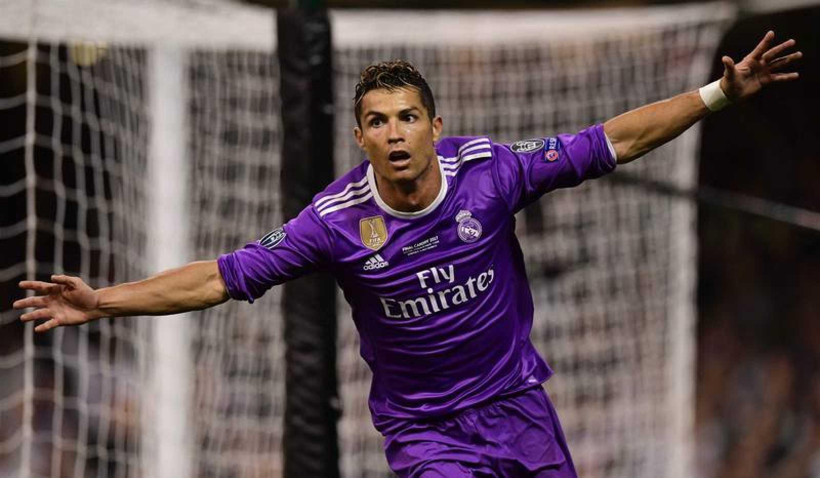 Cristiano Ronaldo celebra uno de los goles 137db7bf8a2ba