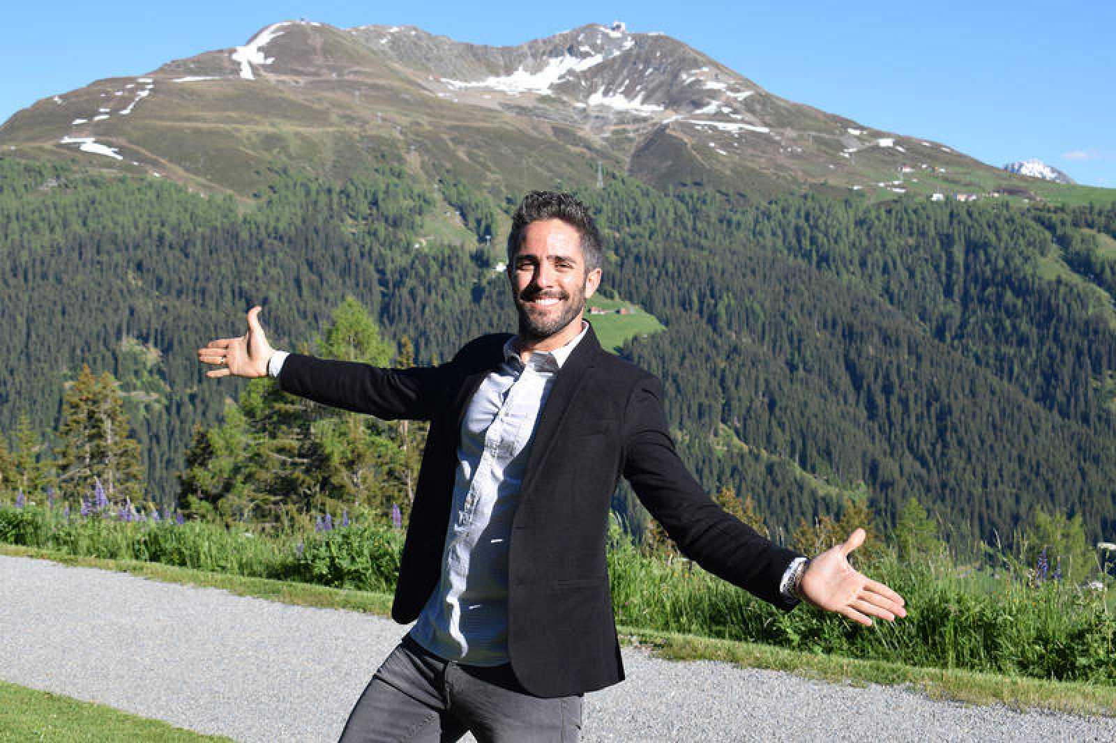 Roberto Leal se pone al frente de 'Hotel Romántico', el nuevo formato de La 1