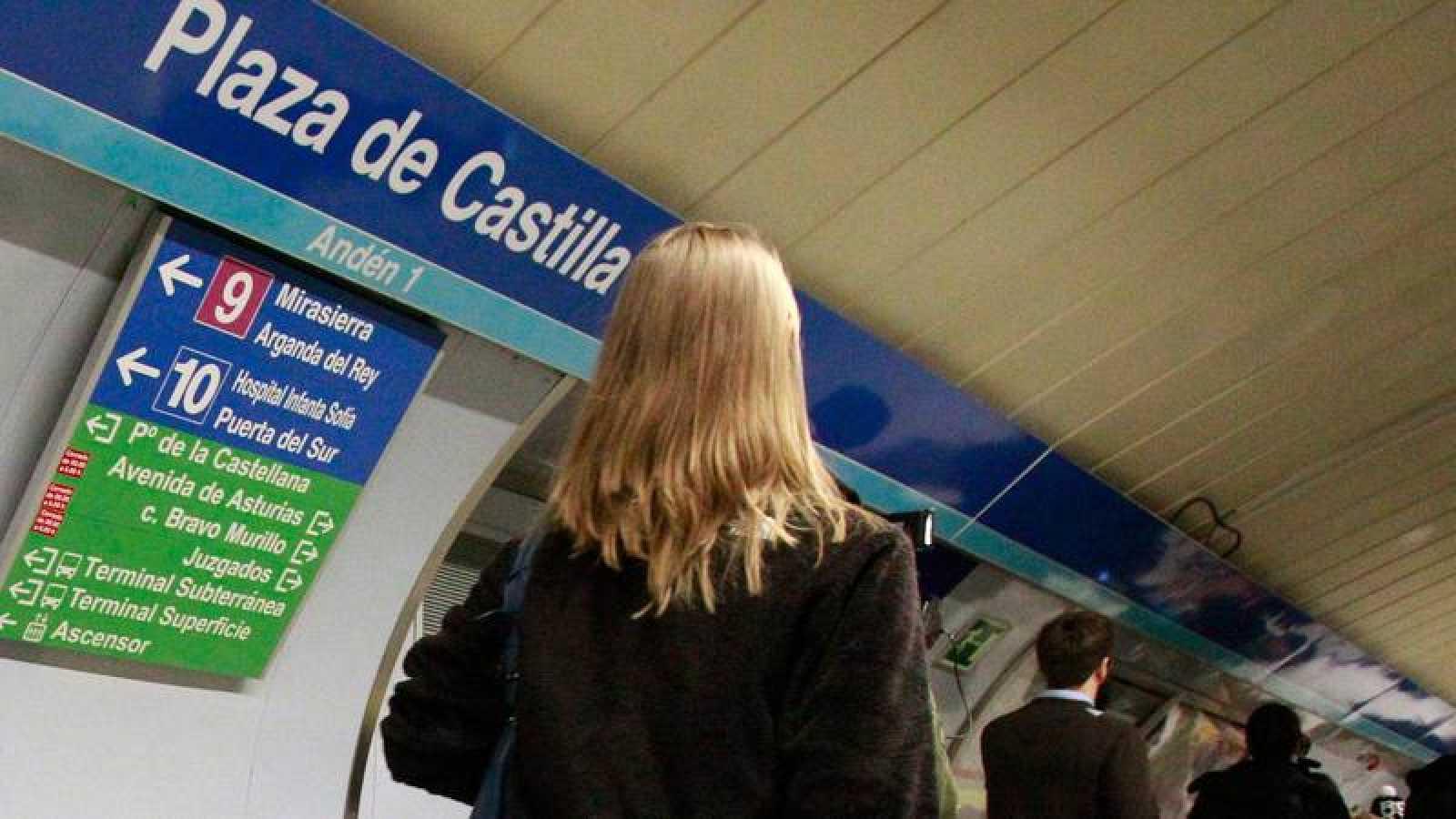 Imagen de archivo del andén de una estación del Metro de Madrid