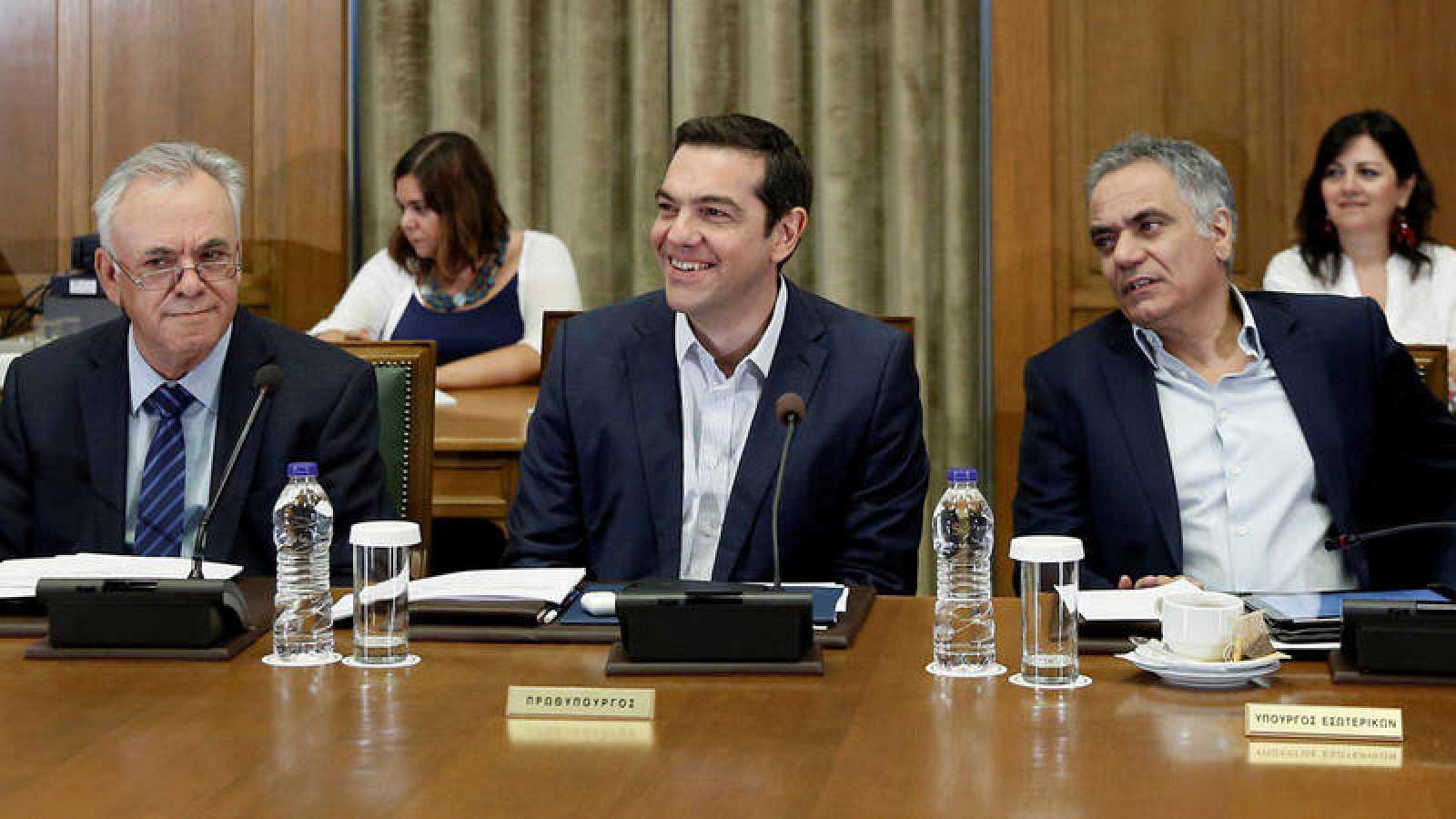 El primer ministro griego, Alexis Tsipras, en una reunión de su gabinete