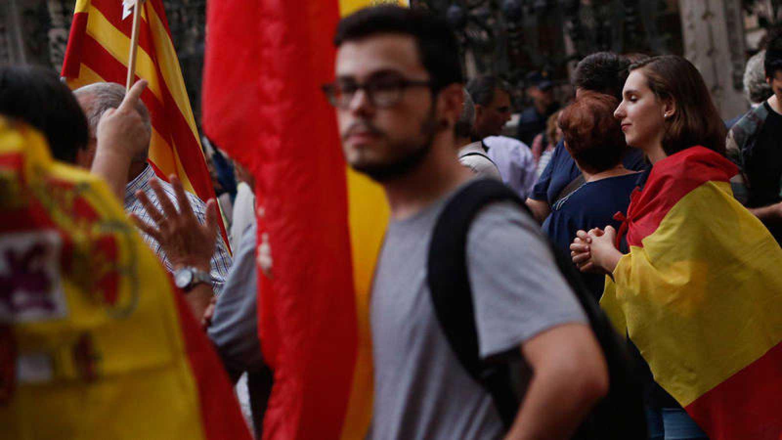 Banderas de España y de Cataluña