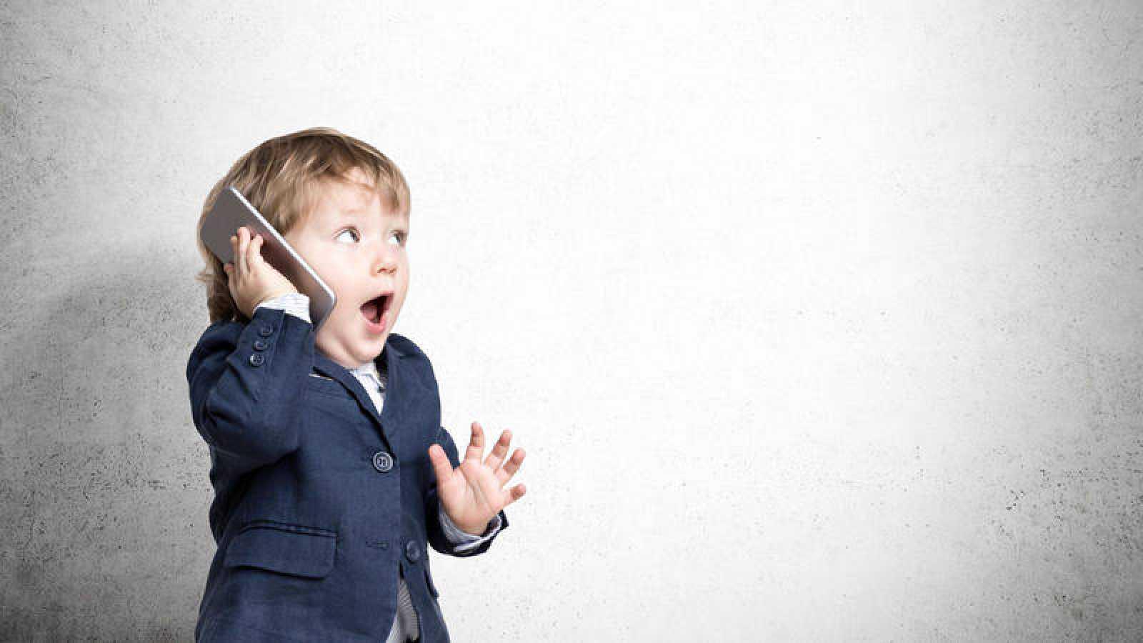 El uso de móviles en niños menores se ha incrementado en los últimos años