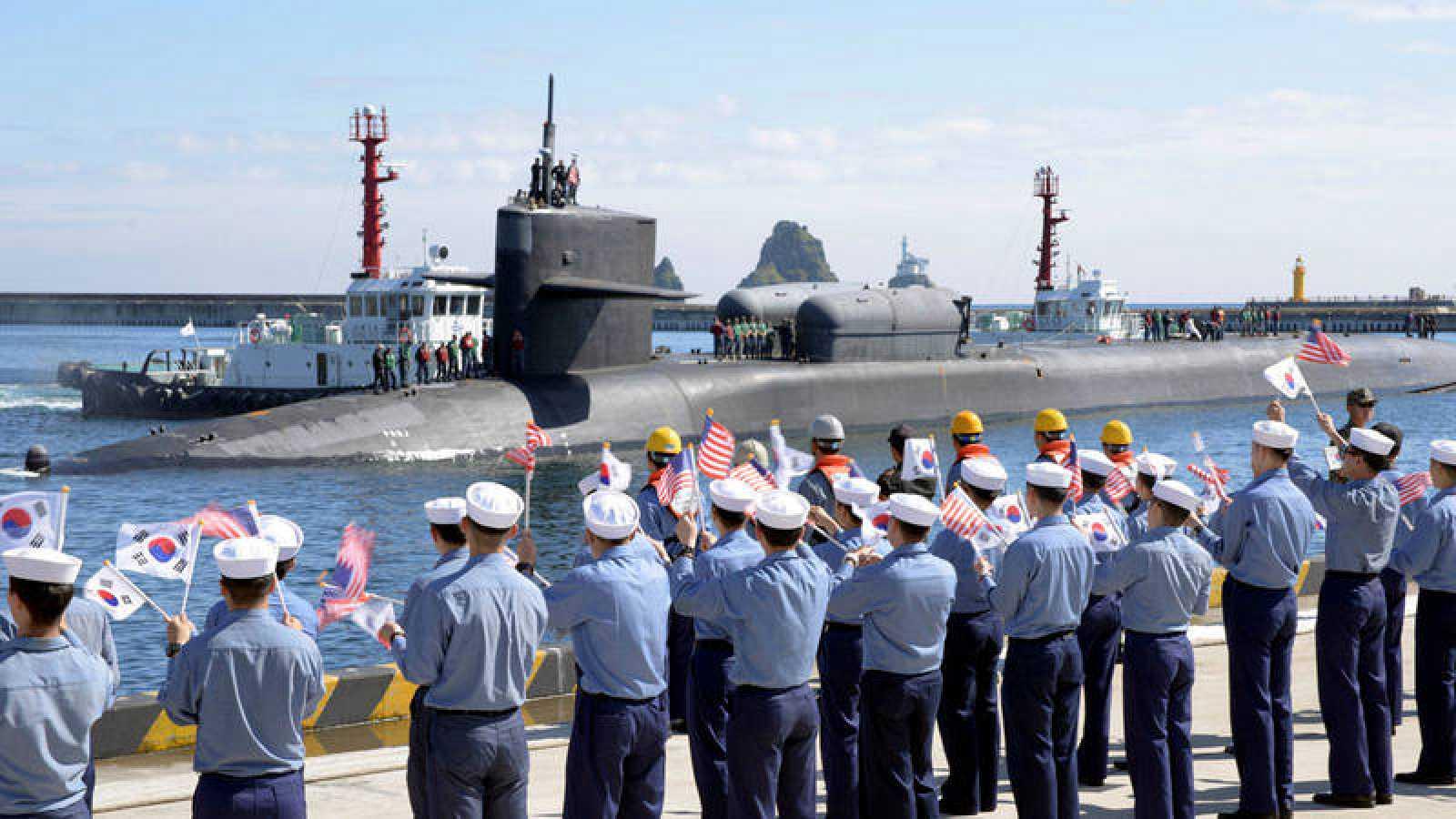 Fotografía de archivo de un submarino estadounidense en Corea del Sur