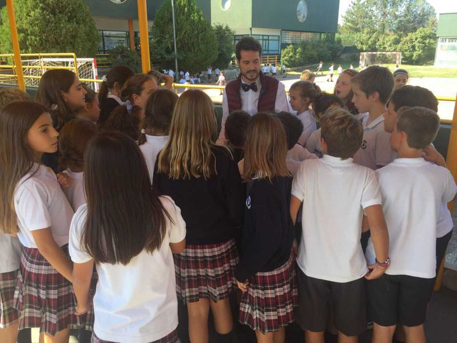 El profesor James Van der Lust recorrerá diferentes colegios de España para conocer proyectos educativos originales