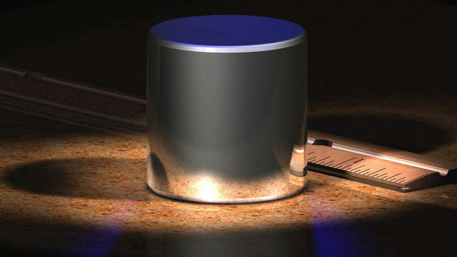 El patrón internacional del kilogramo es un cilindro de iridio y platino que se guarda en la Oficina Internacional de Pesas y Medidas en Sèvres, cerca de París