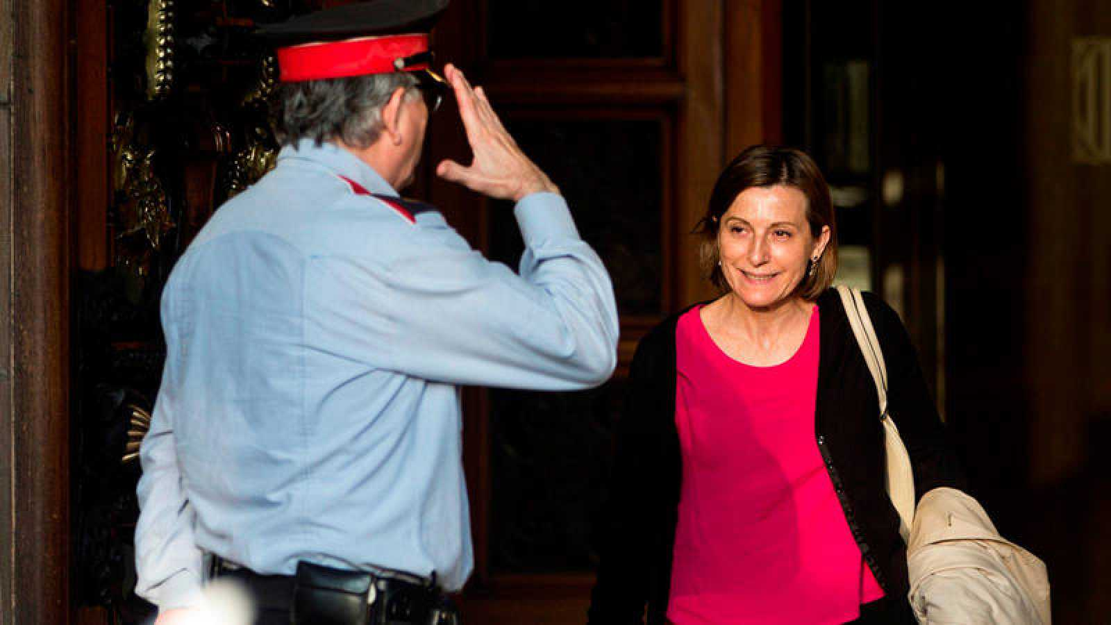 La presidenta del Parlament, Carme Forcadell, a su salida de la cámara autonómica