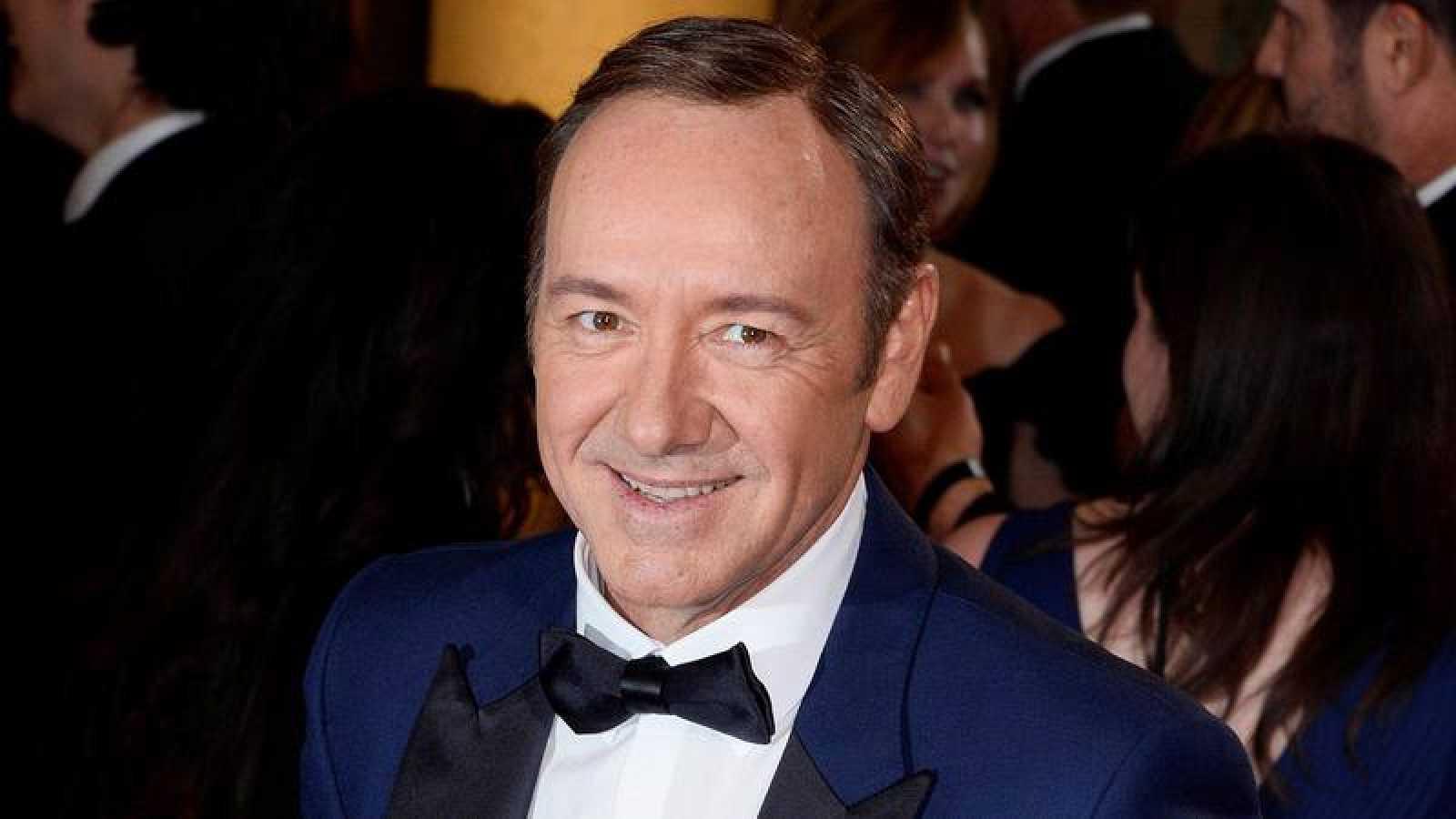 Actor Anthony Rapp acusa a Kevin Spacey de acoso sexual y fuerza su disculpa