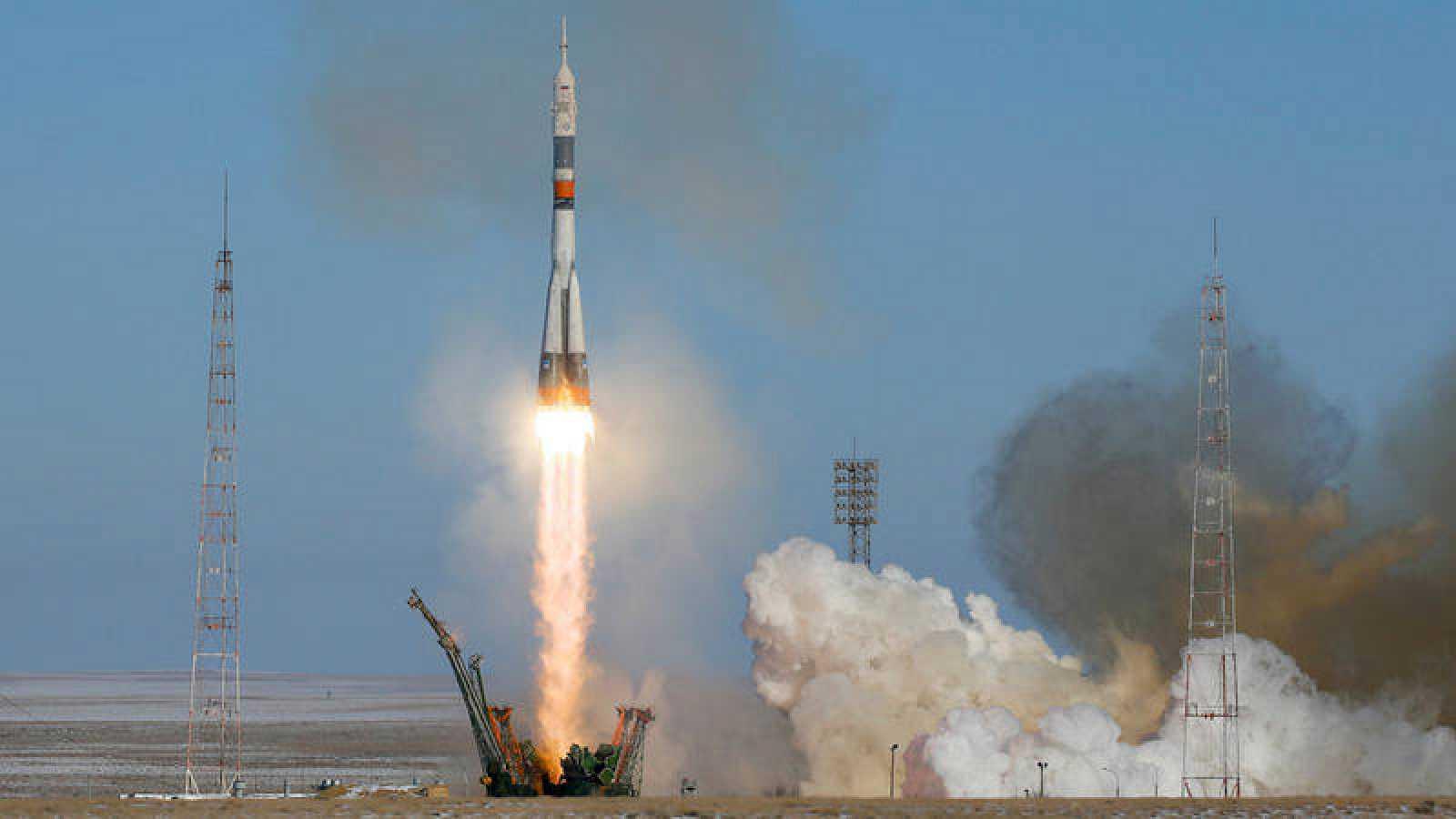 Despegue de la nave Soyuz MS-07