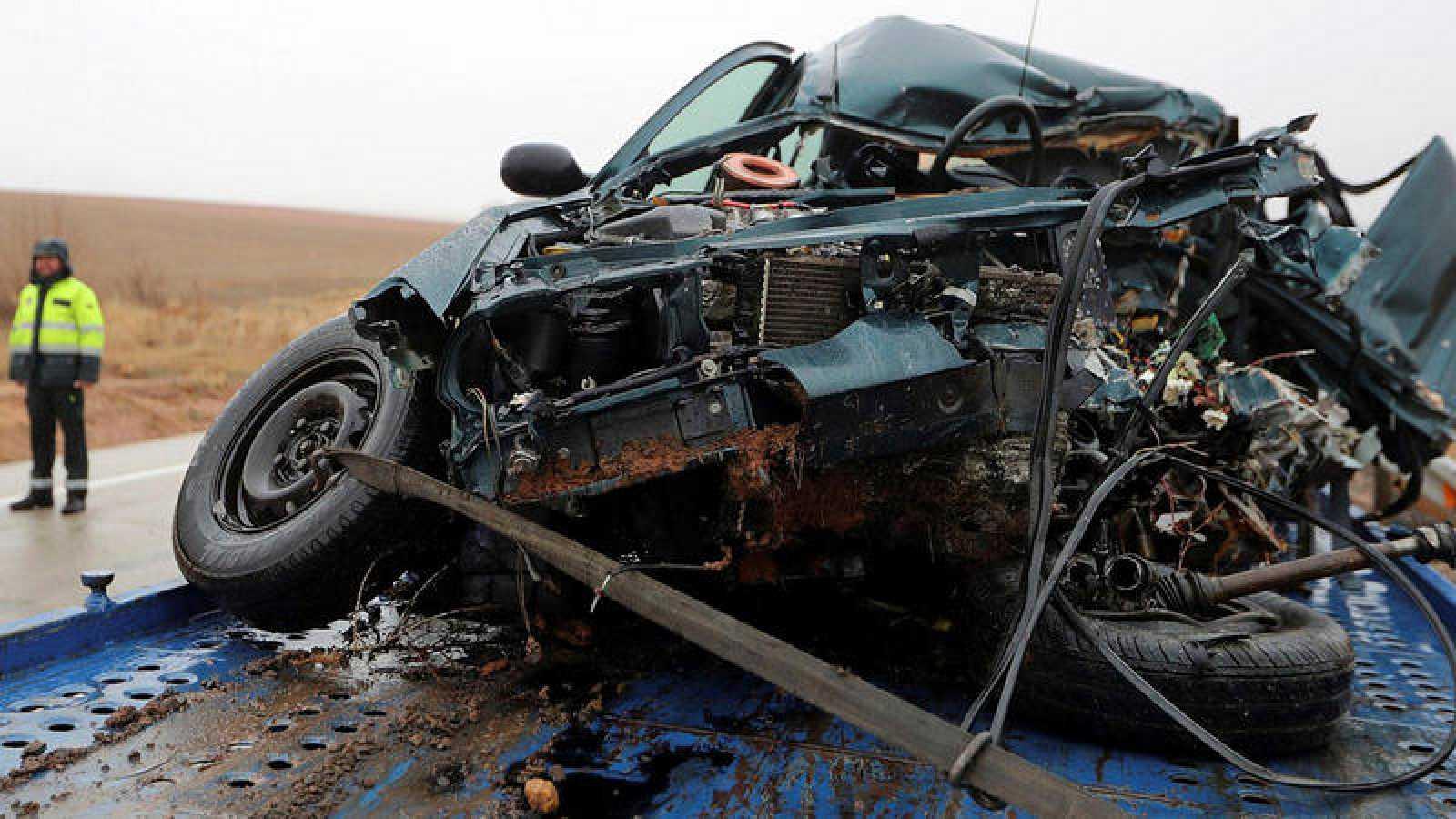 Imagen de un vehículo accidentado en Soria el 14 de diciembre