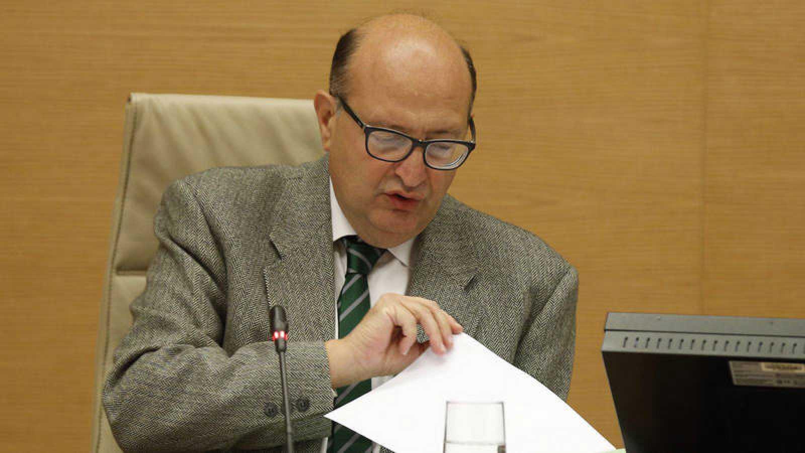 El presidente del Tribunal de Cuentas, Ramón Álvarez de Miranda, en una comparecencia en el Congreso.