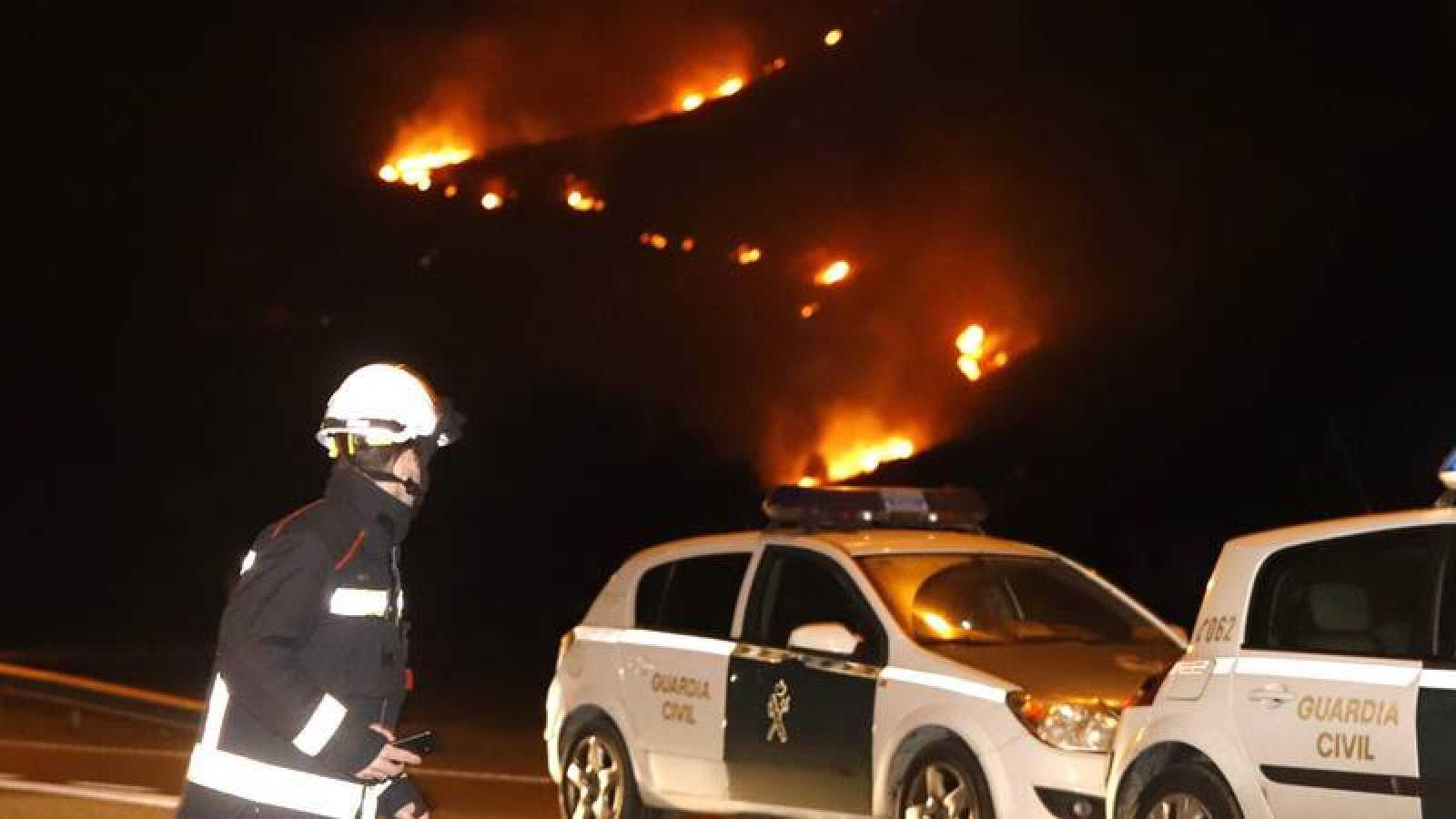 Vista del incendio en Coll de Síller, entre Pollença y el Port de Pollença
