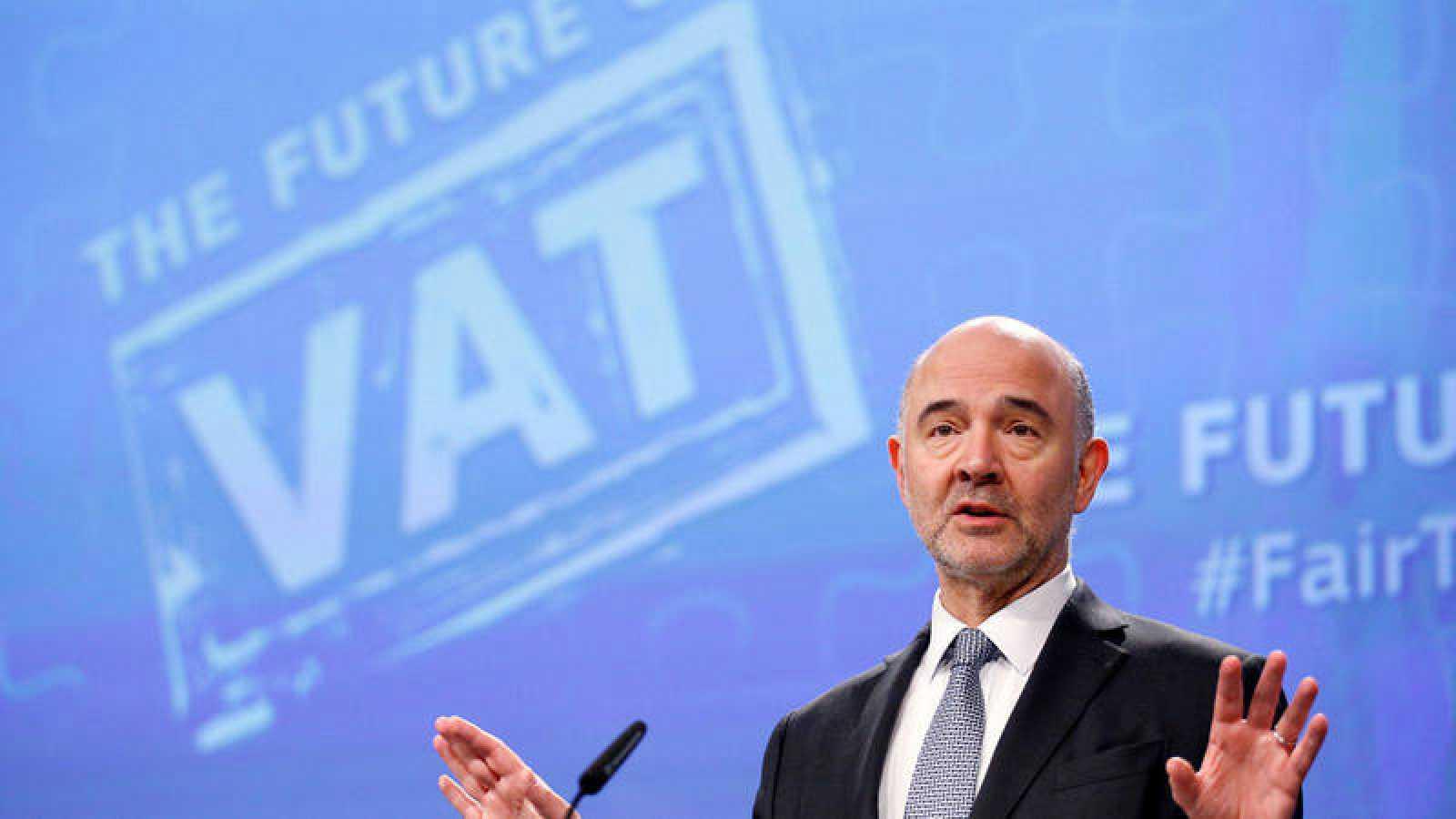 El comisario europeo de Asuntos Económicos y Financieros, Pierre Moscovici, durante la rueda de prensa sobre la reforma del IVA