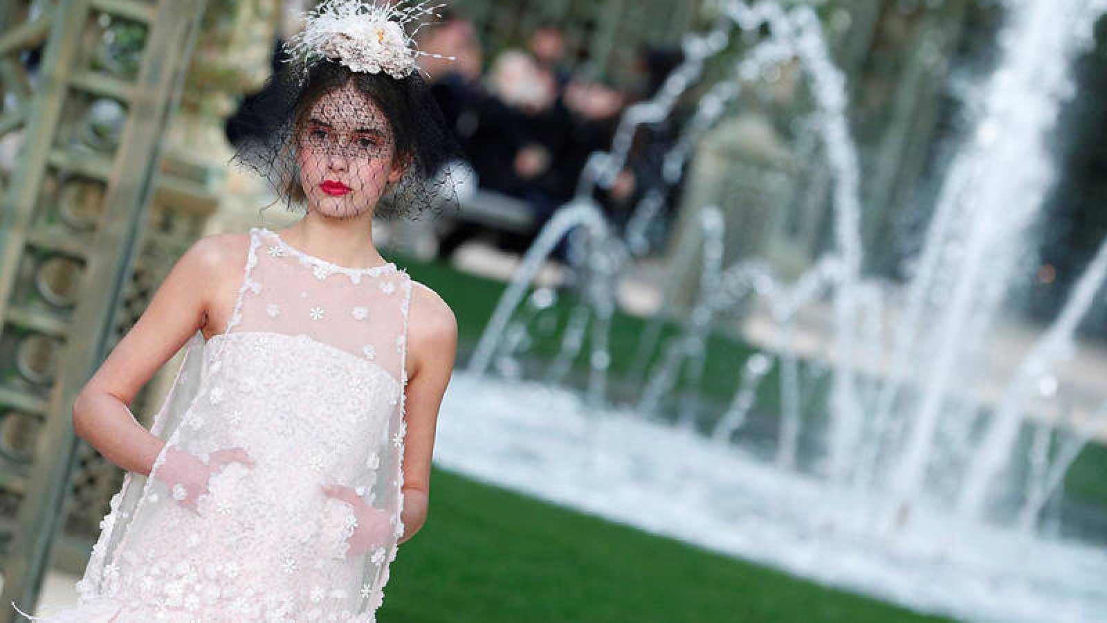 Chanel Se Inspira En La Belleza De Las Flores Y La Delicadeza Del Agua