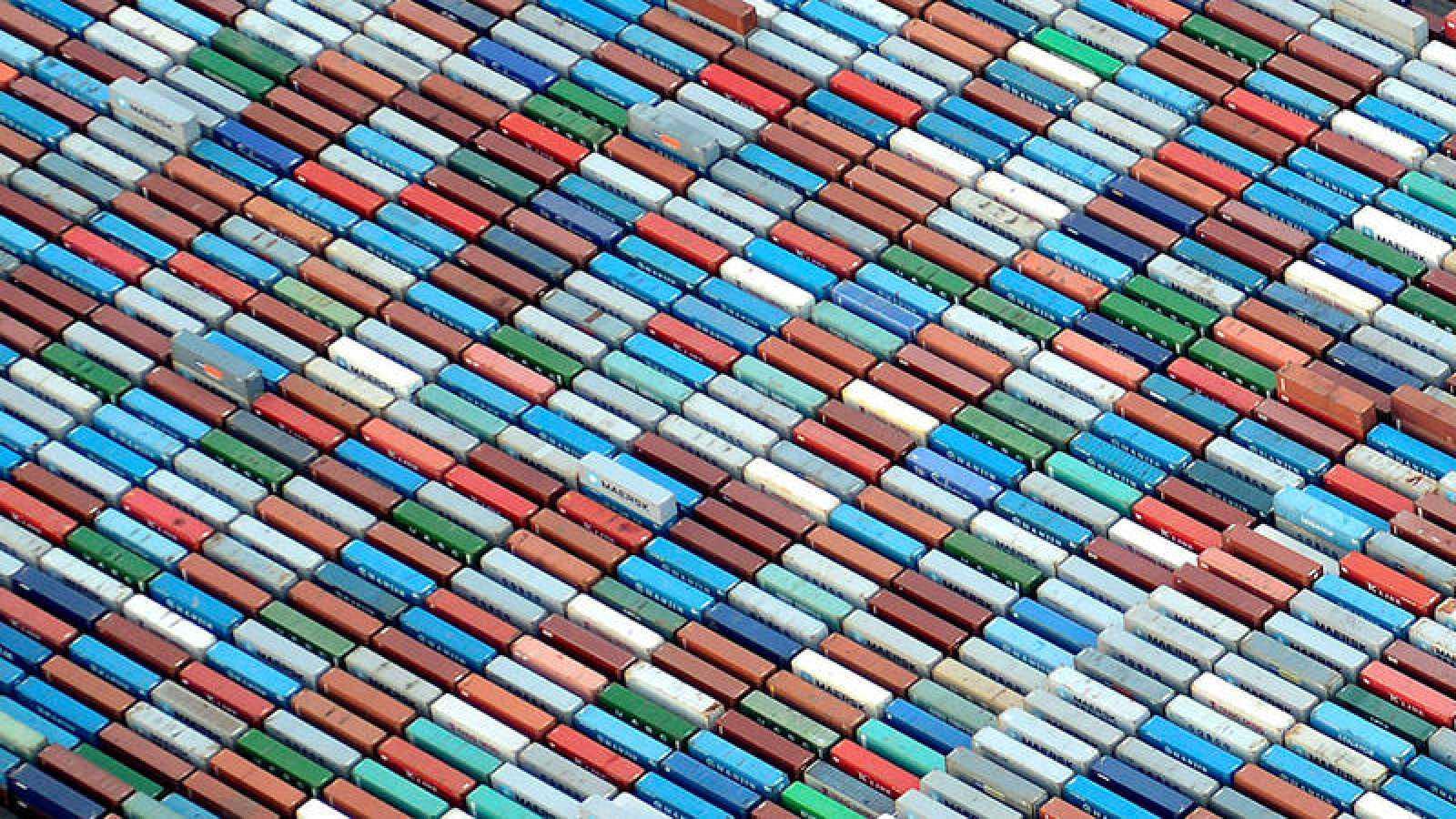 Contenedores en el puerto de Hamburgo