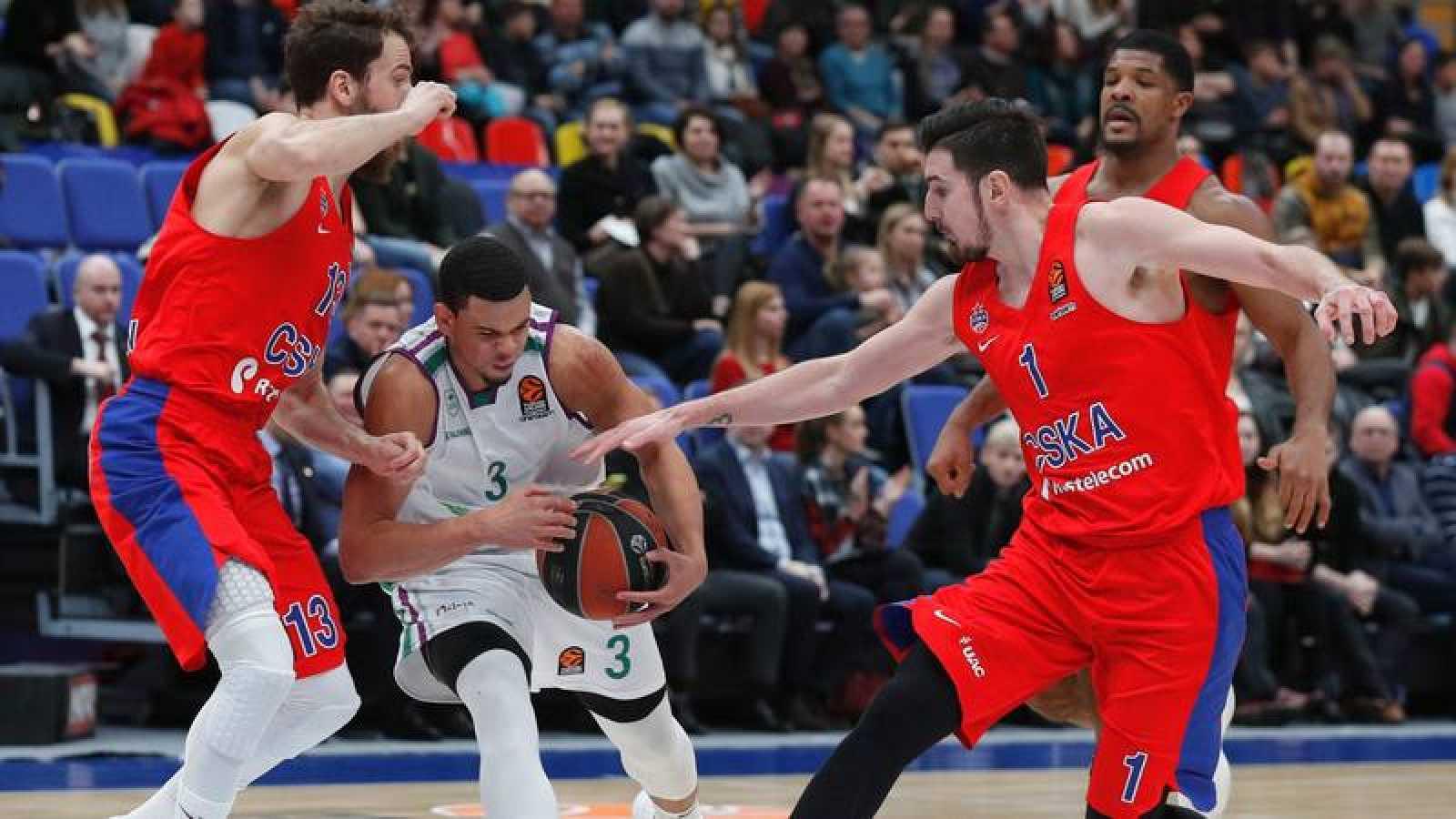 Unicaja se aleja del 'play-off' tras perder ante el CSKA