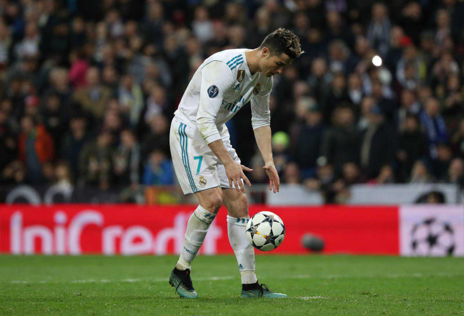 Cristiano momentos antes de lanzar el penalti.