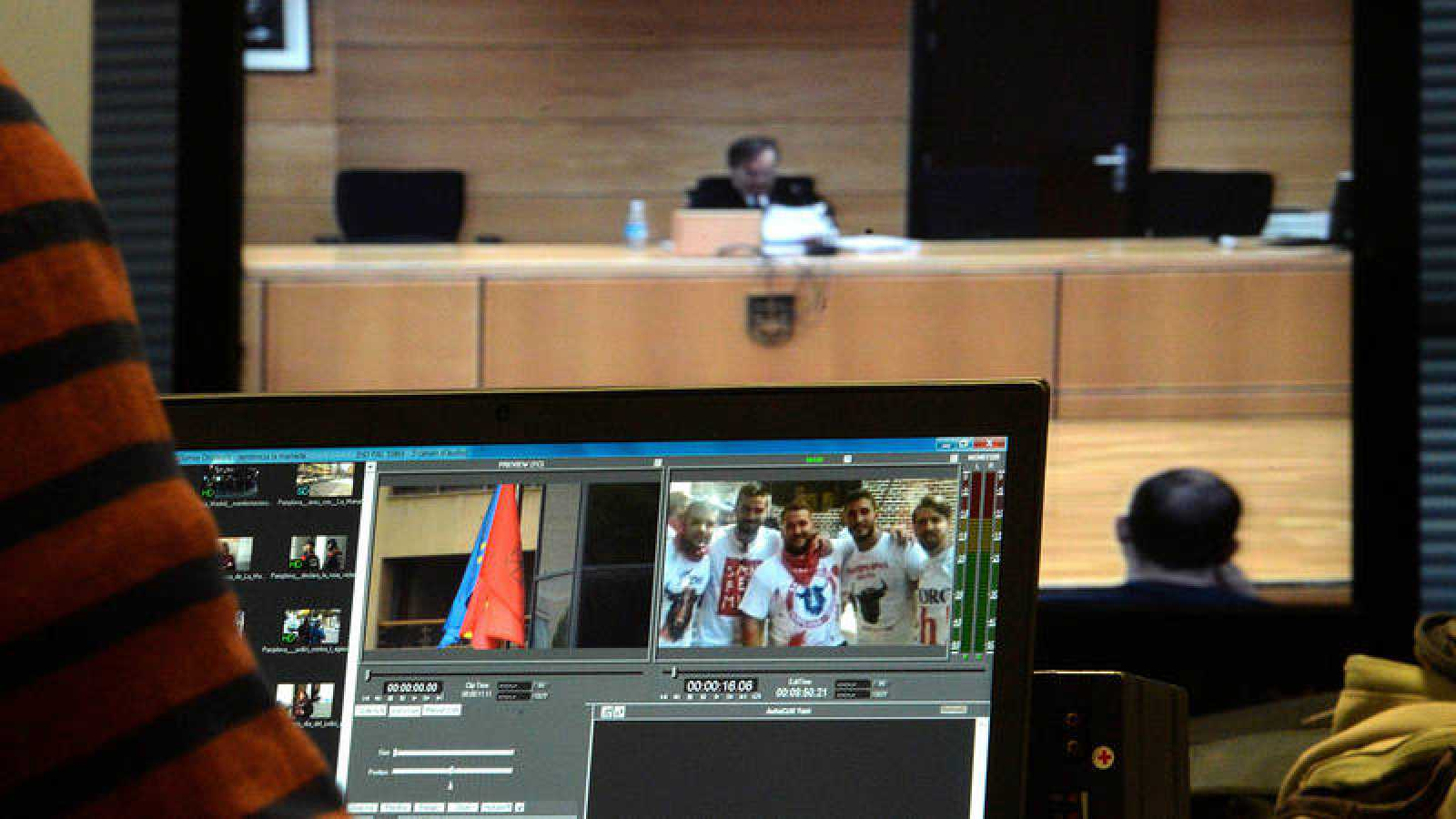 Jose Francisco Cobo, magistrado de la Sala Segunda de la Audiencia de Navarra da lectura al fallo contra 'La Manada'