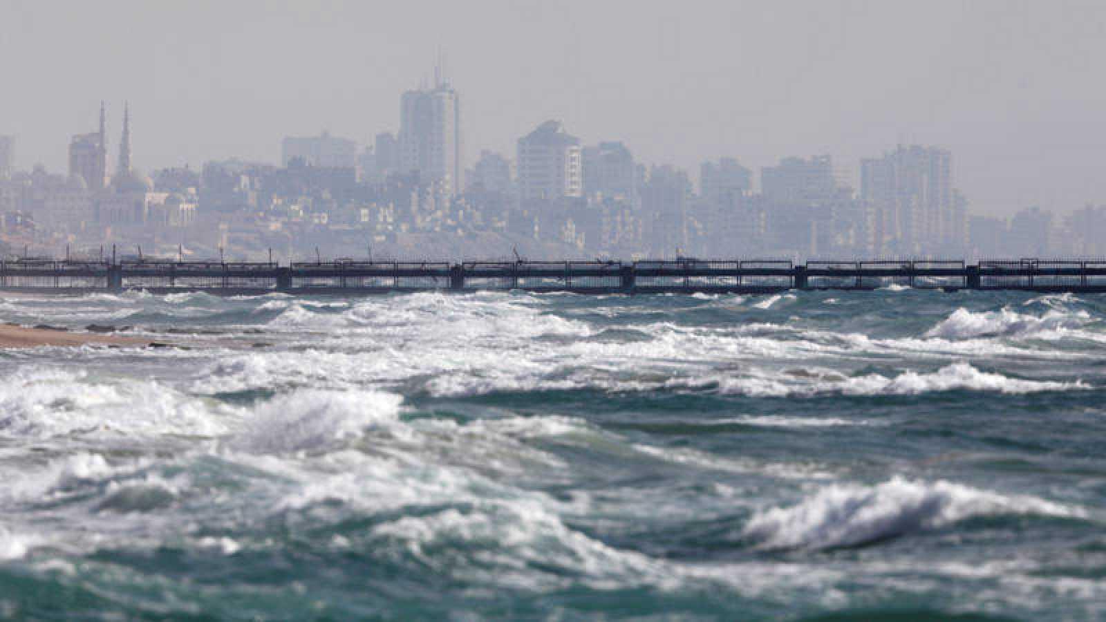 Imagen de la frontera marítima entre Israel y Gaza vista desde Zikim, Israel