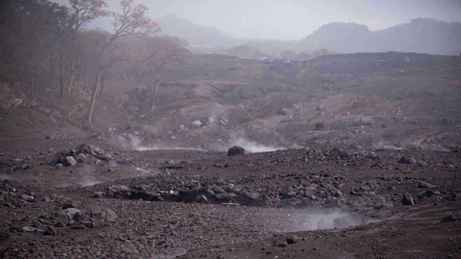 Imagen de la aldea de San Miguel Los Lotes, Escuintla (Guatemala), tras la erupción del volcán