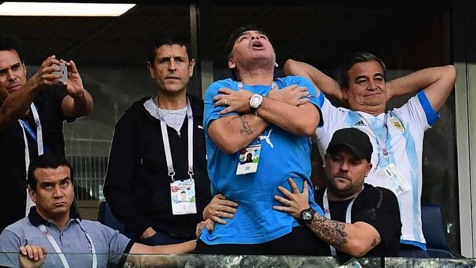 Maradona niega que fuera hospitalizado tras el Nigeria-Argentina